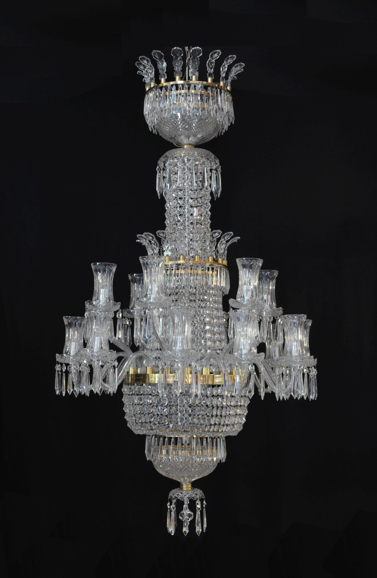 Los 123 - A very large and impressive Waterford bespoke cut and moulded glass eighteen light waterfall and ...
