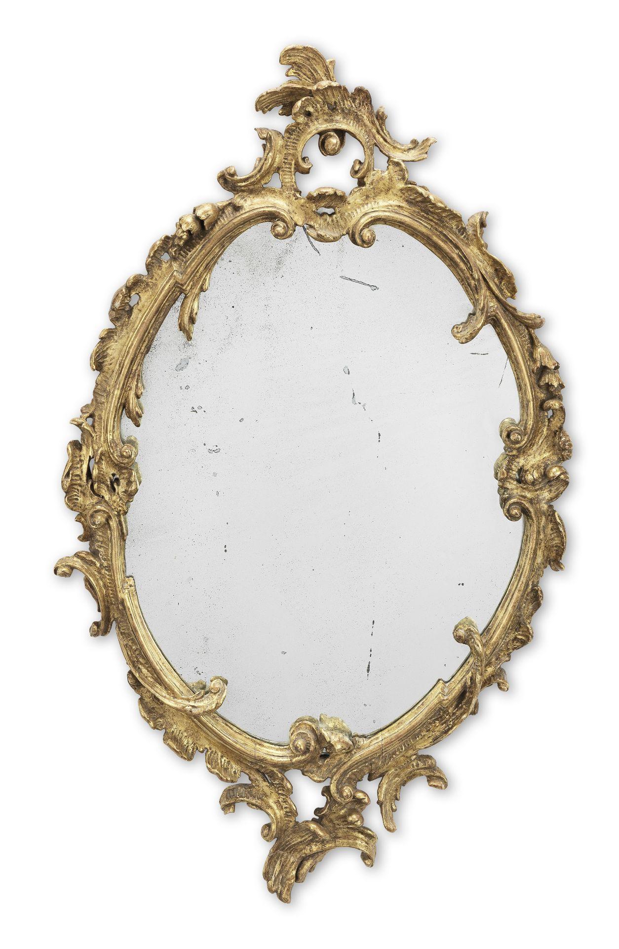 Los 116 - A 19th century Rococo revival giltwood mirror
