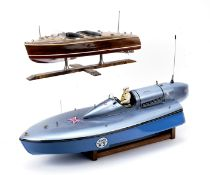 A radio controlled scale model of the Bluebird K3 Water Speed Record powerboat, ((2))