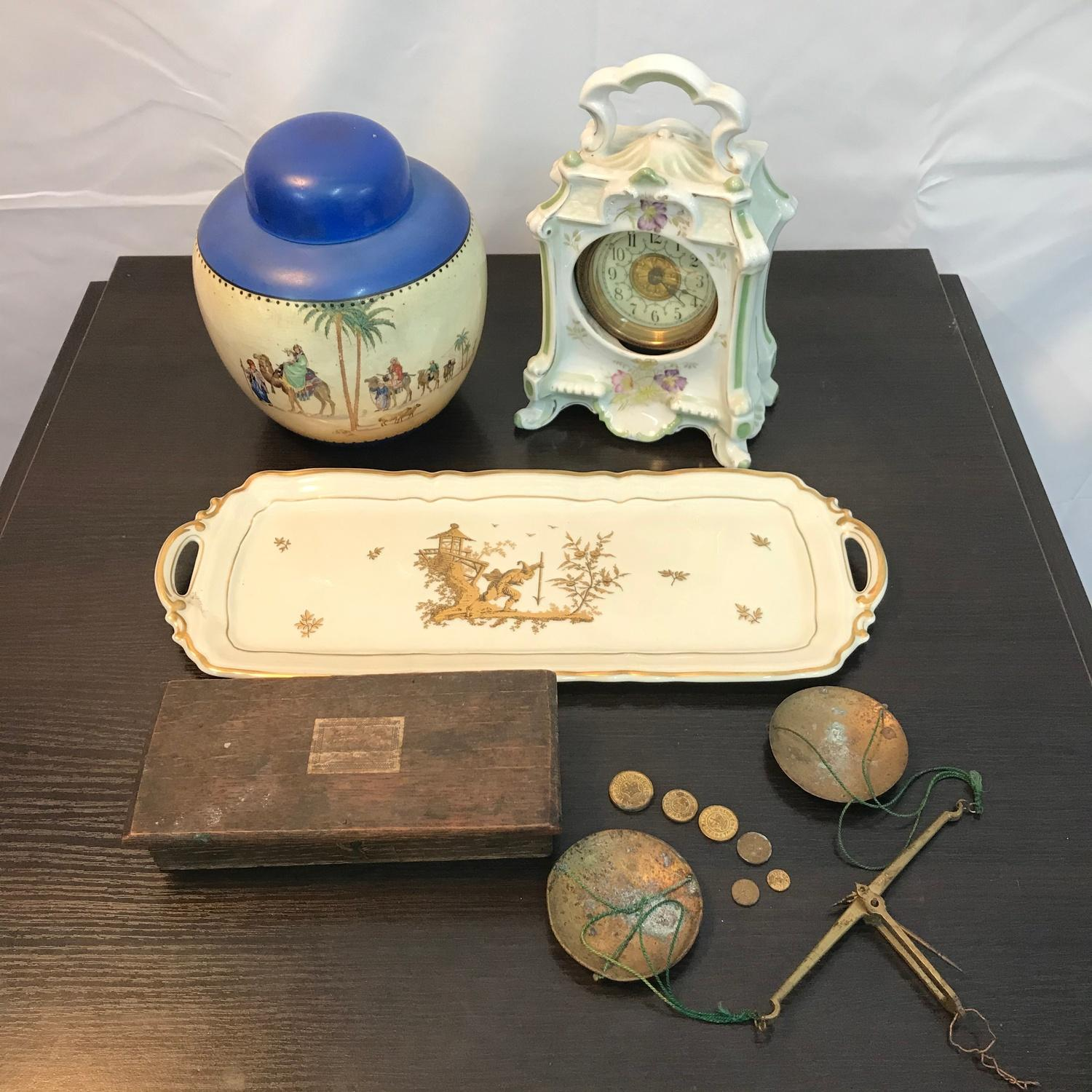 Lot 234A - A Lot of collectable odds to include porcelain mantel clock, Britannia Pottery- Omar Khayyam - The