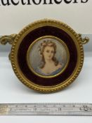 A Late 18th/ Early 19th century miniature portrait painting of a lady. Signed R Dumans. Fitted