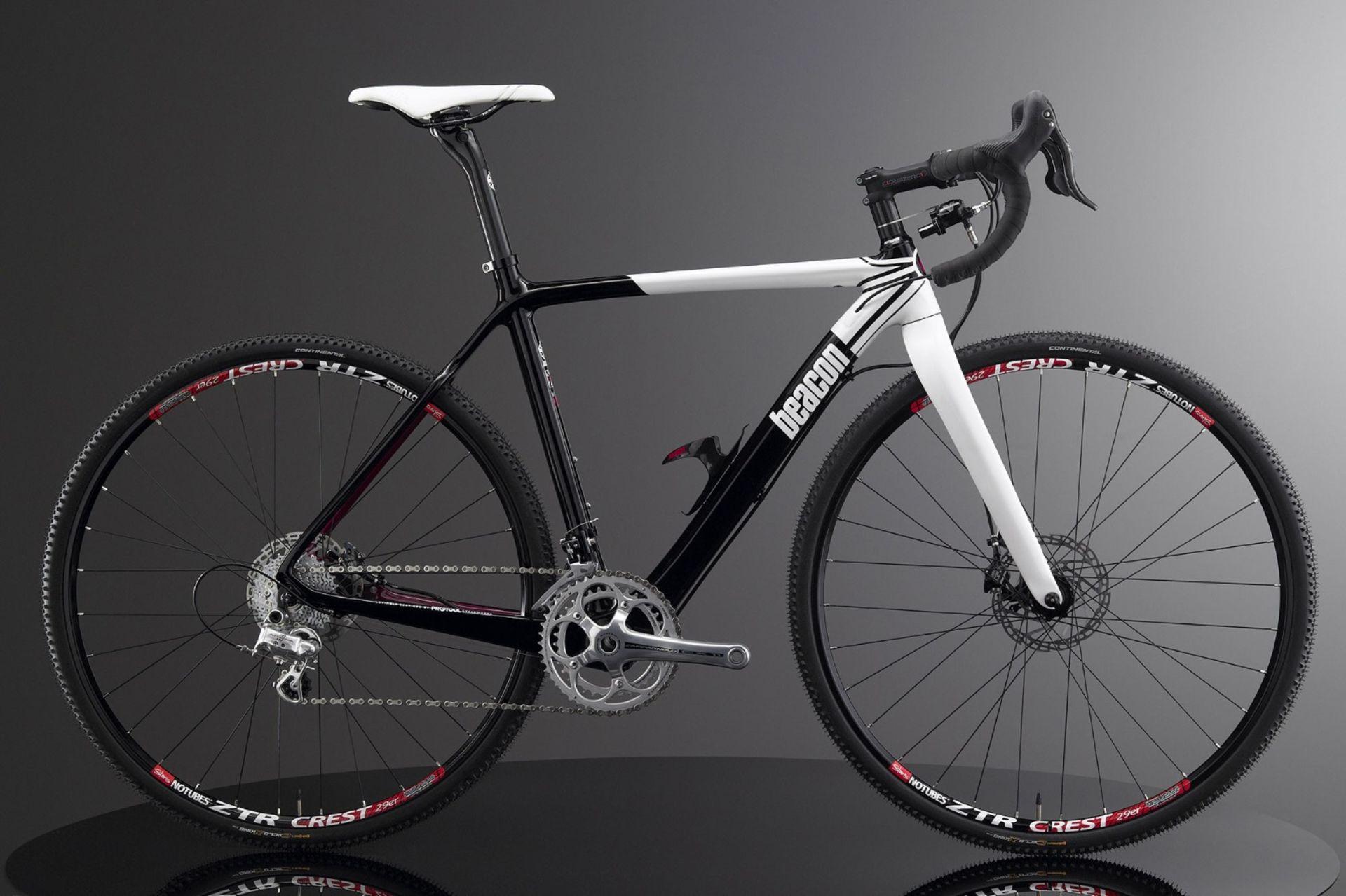 Lot 11 - 1 x Beacon Model BF-45, Size 540, Carbon Fibre Bike Frame in Black & White.