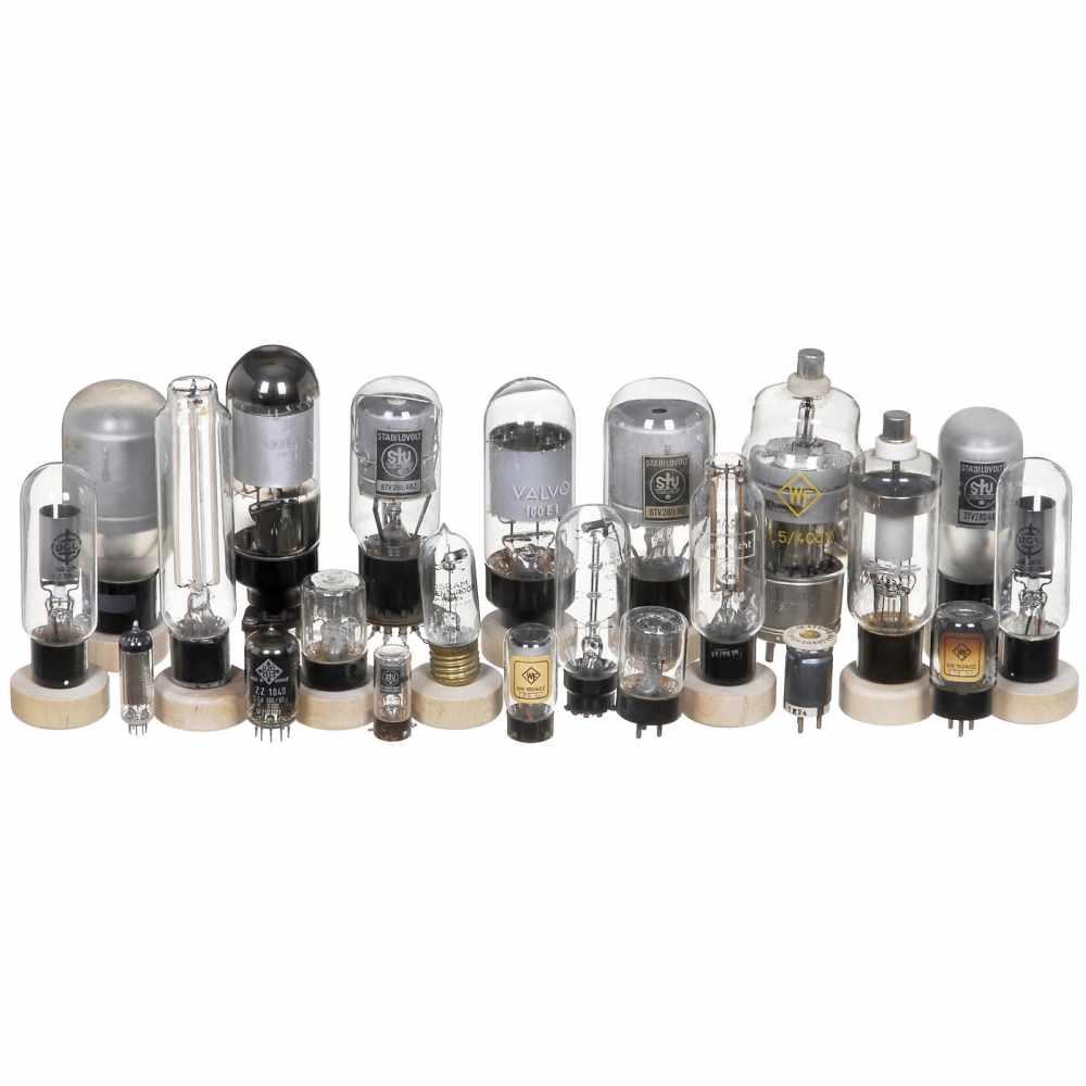 Los 22 - Wehrmacht Voltage-Regulator Tubes, c. 1940STV 150/250 - WF S1,5/40dv - STV 280/40Z - Osram Eisen-