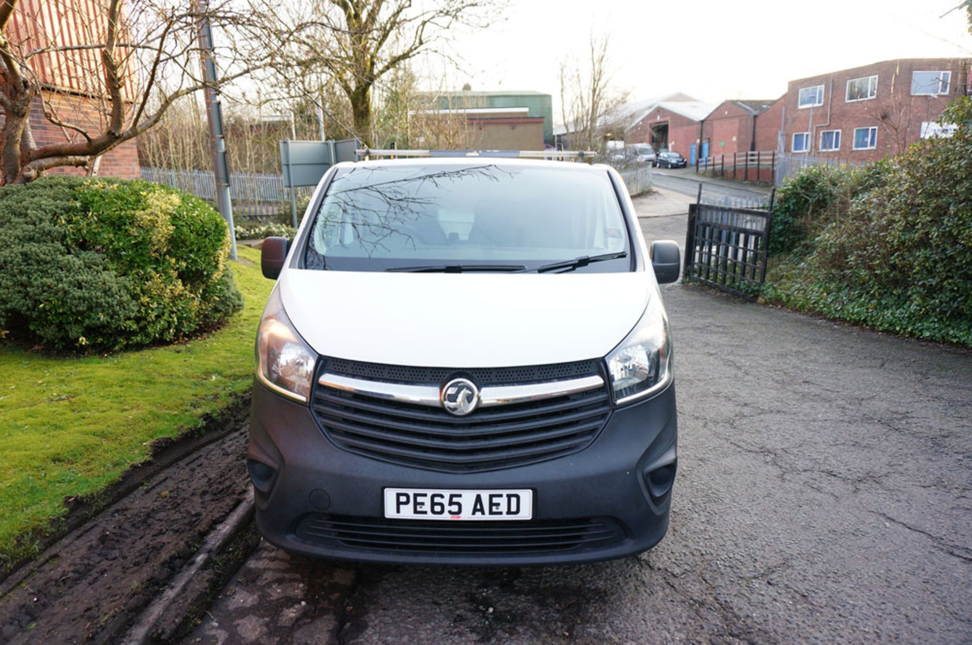Lot 3 - VAUXHALL Vivaro, 1.6 CDTI, Panel Van 115PS, 2015 (65 reg)