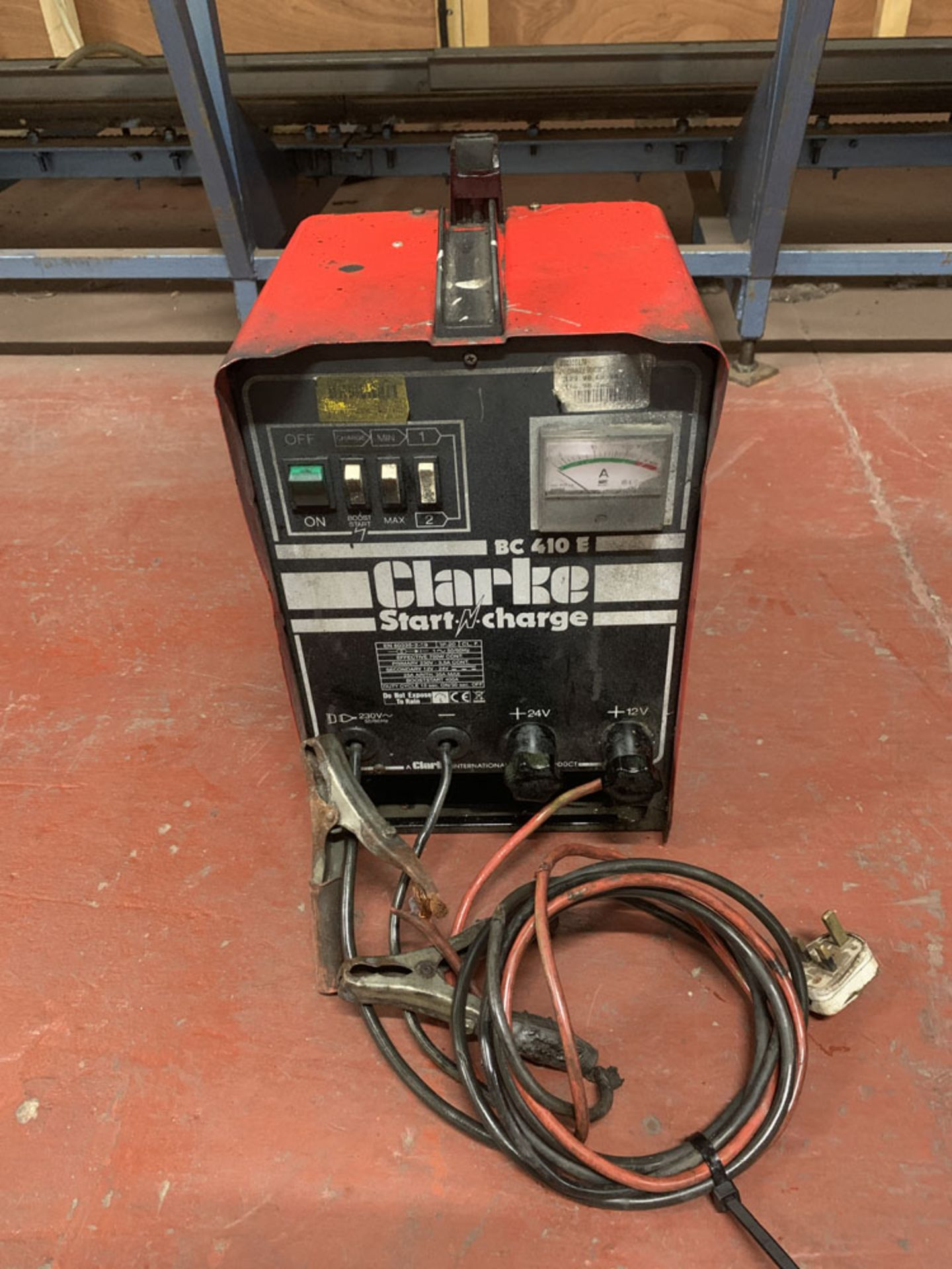 Lot 48 - Clarke BC410E 'Start N Charge' Battery Charger.