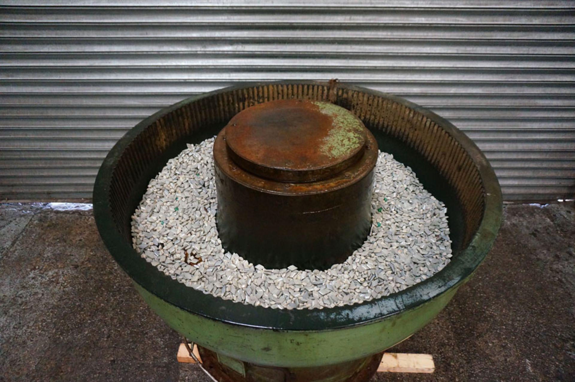 Lot 20 - PDJ Vibratory Circular Bowl Finisher. Chamber Size 280 litre. Bowl Diameter 1300mm.