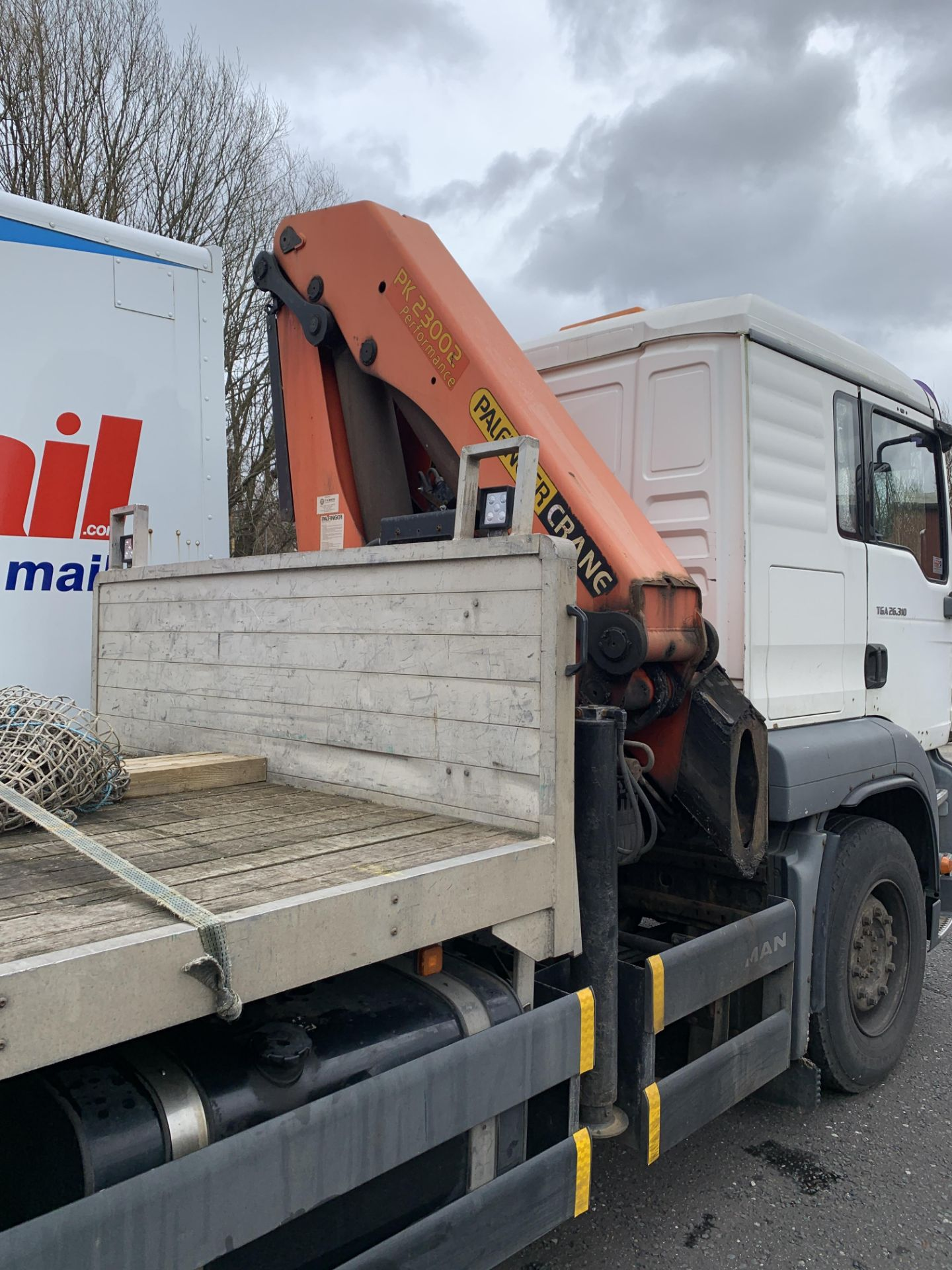 Lot 1 - MAN TGA 26.310 Flatbed Lorry with Palfinger PK23002 Crane. 26,000KG Gross Weight.