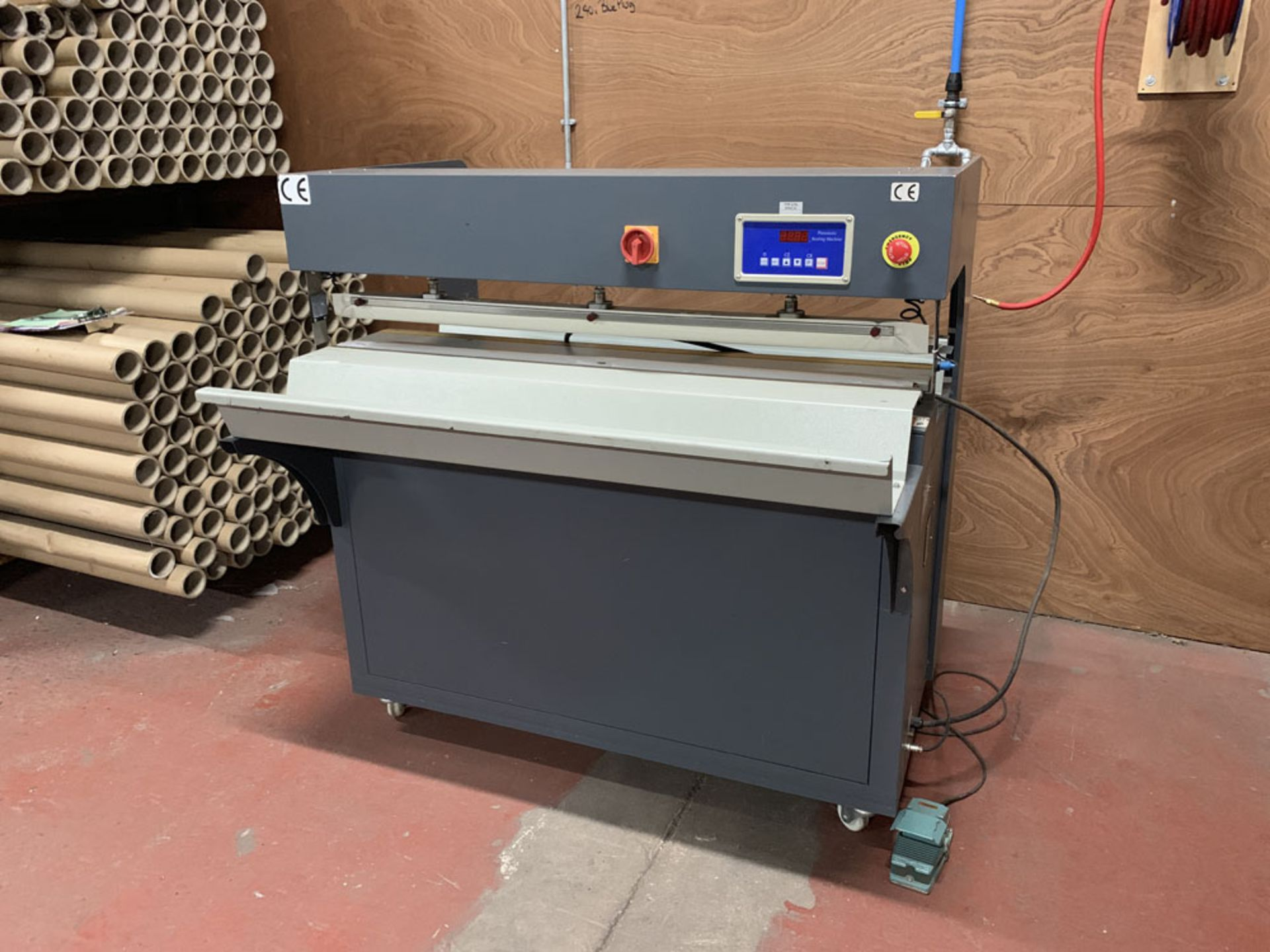 Lot 15 - TTF Ltd Model FMQP Pneumatic Sealing Machine. Single Phase. Year 2013.