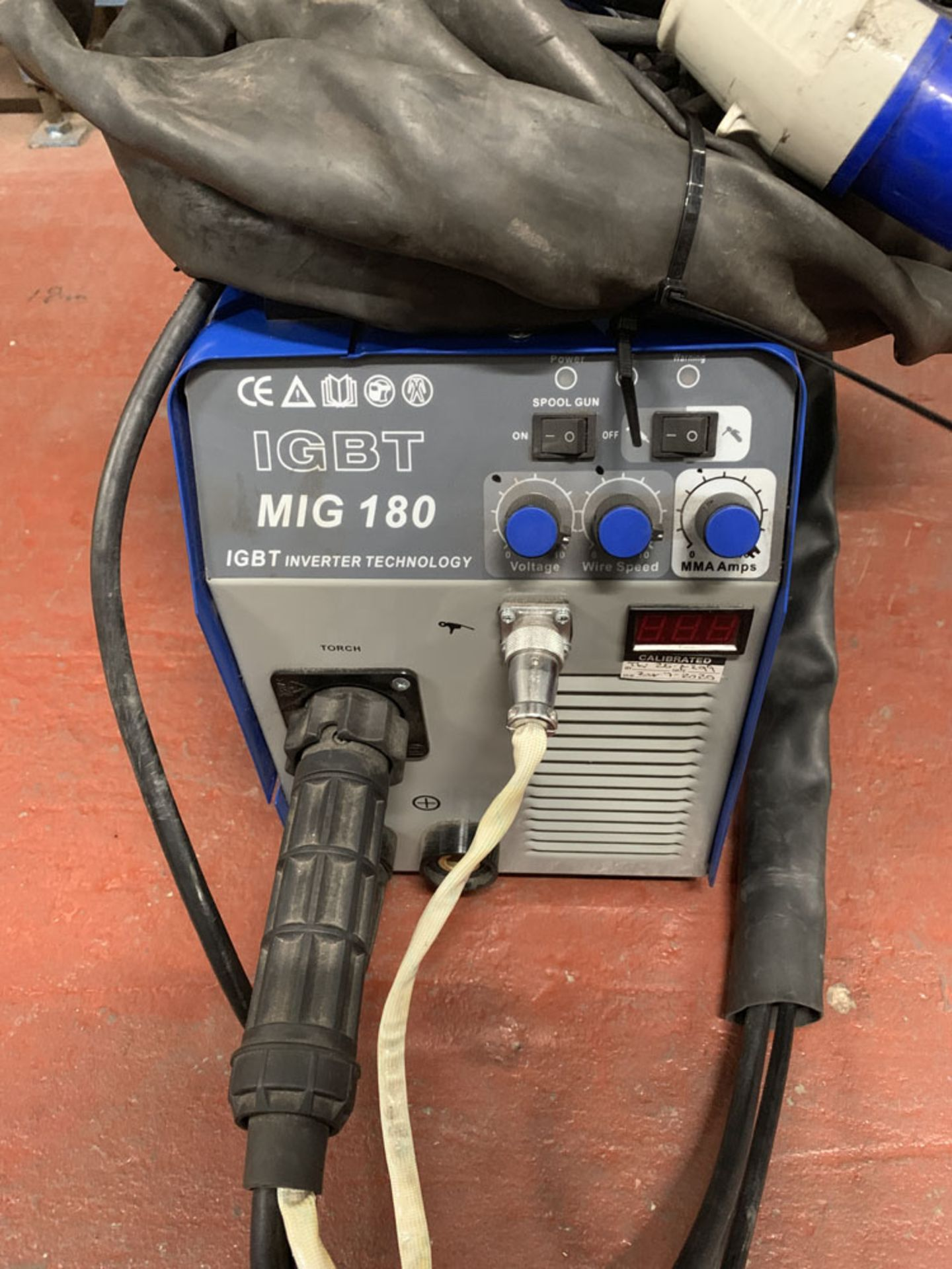 Lot 47 - R-Tech Welding Equipment Mig Welding Unit. 240 Volt.