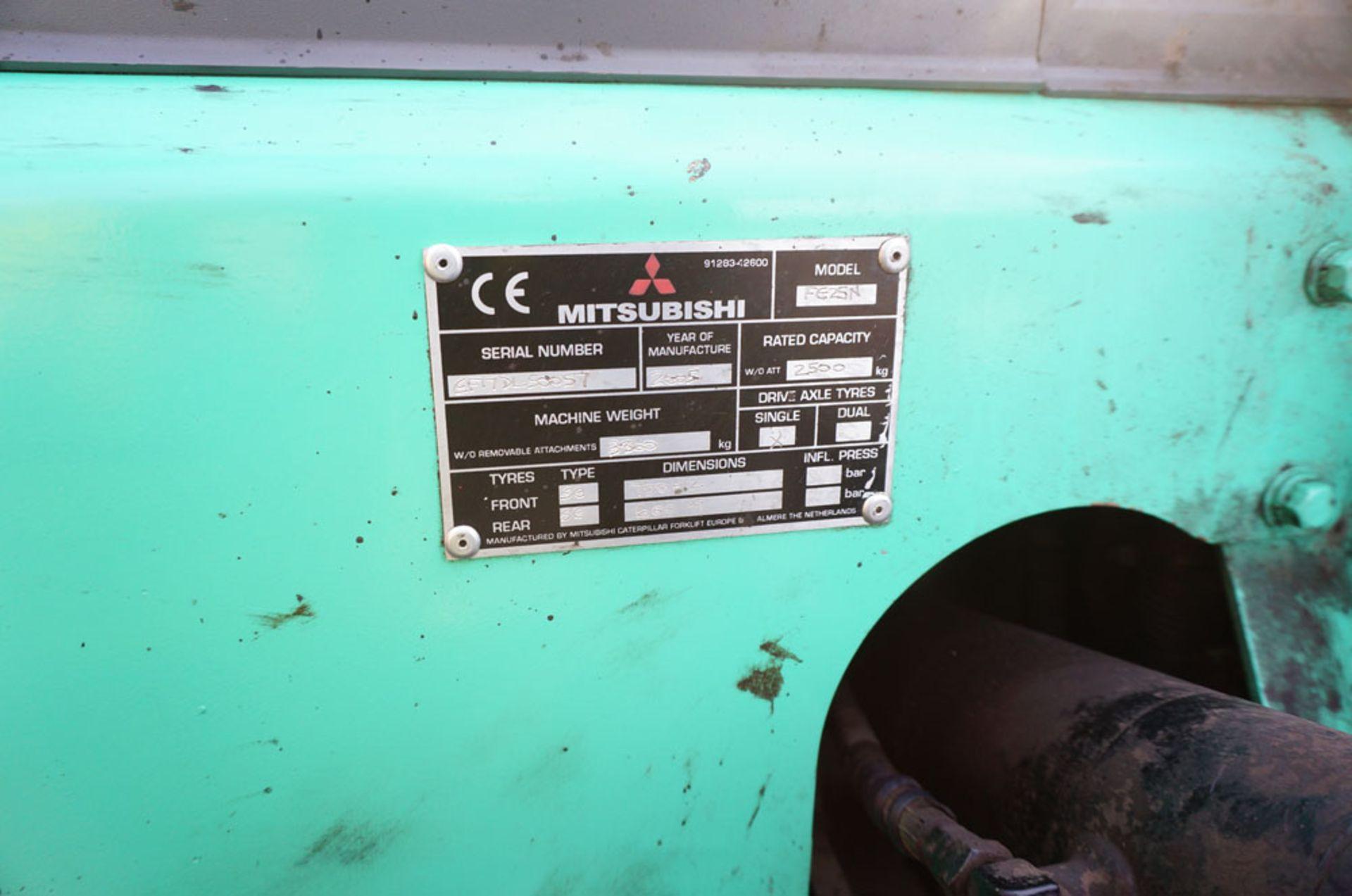 Lot 6 - MITSUBISHI Model FG25N Counterbalance Lift Fork Truck.