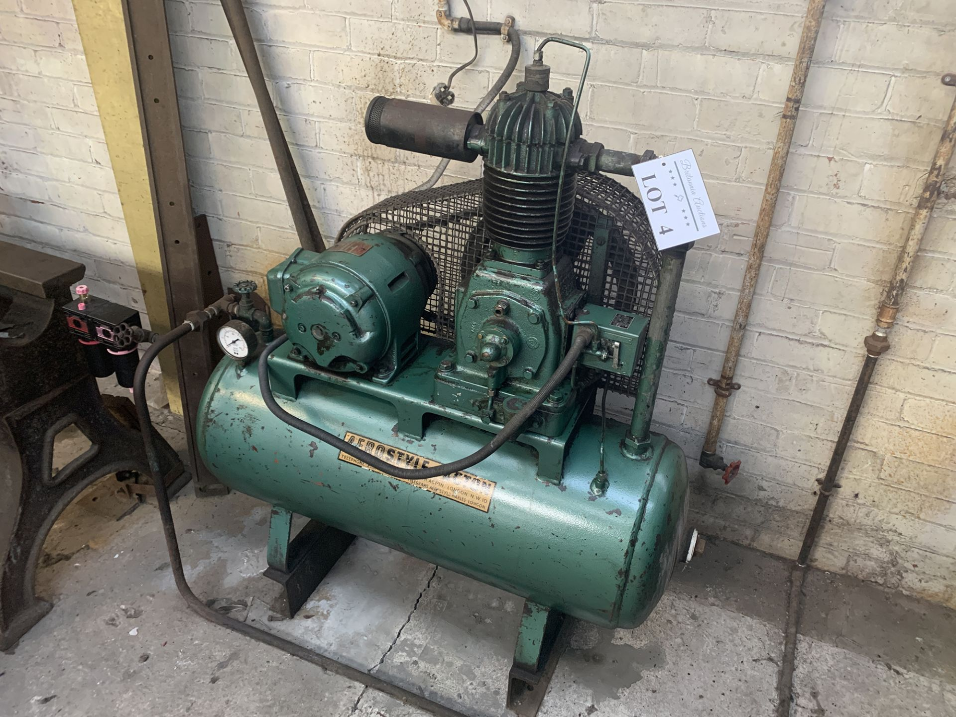 Lot 4 - Aerostyle of Acton Air Compressor.
