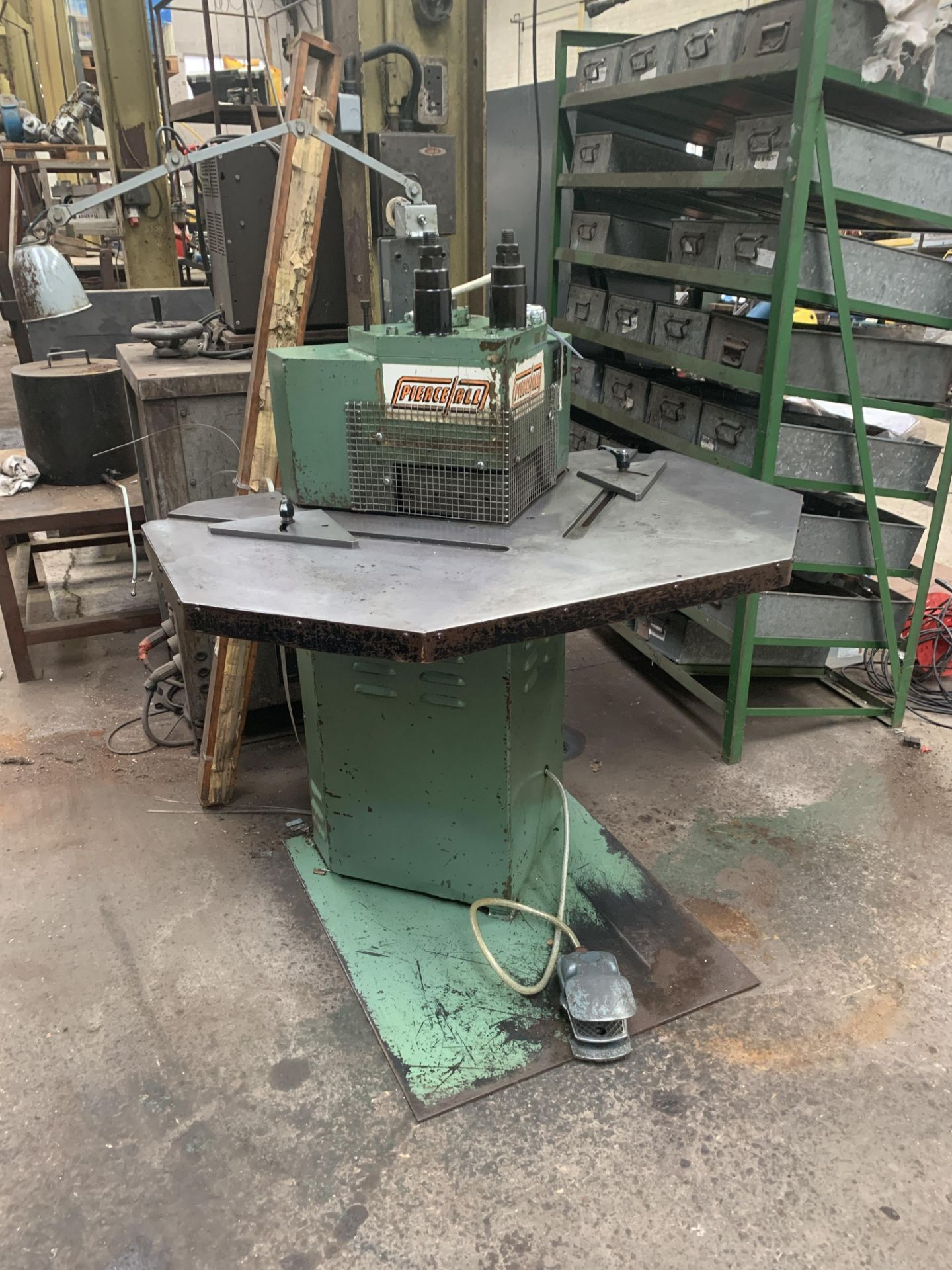 Lot 21 - Pierceall Sheet Metal Corner Notcher. Capacity 200mm x 200mm x 3mm.