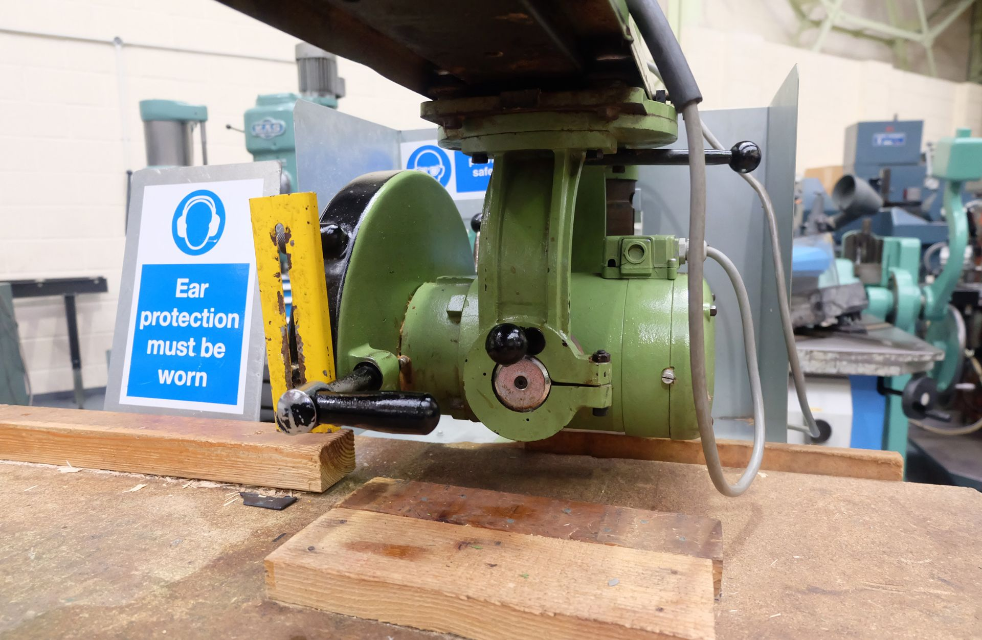 Multico Model C2/3 Radial Wood Saw. Swivelling/Tilting Cross Cut Timber Sawing Machine. - Image 4 of 5