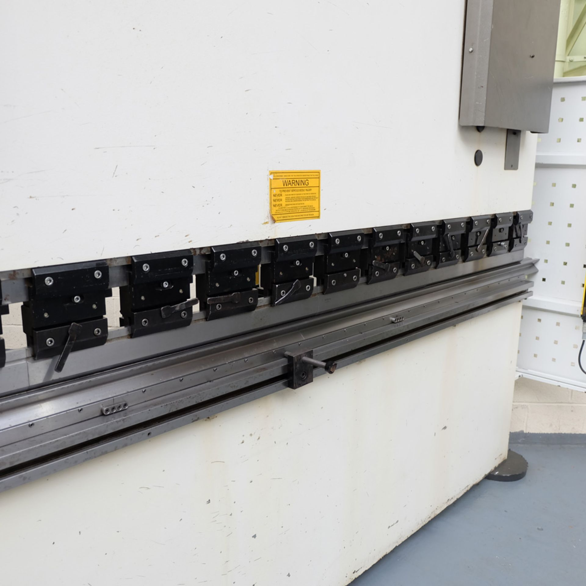 Ermak AP3120 Hydraulic Downstroke Press Brake. Capacity 3100mm x 6mm. Bending Force 120 Ton. - Image 6 of 14