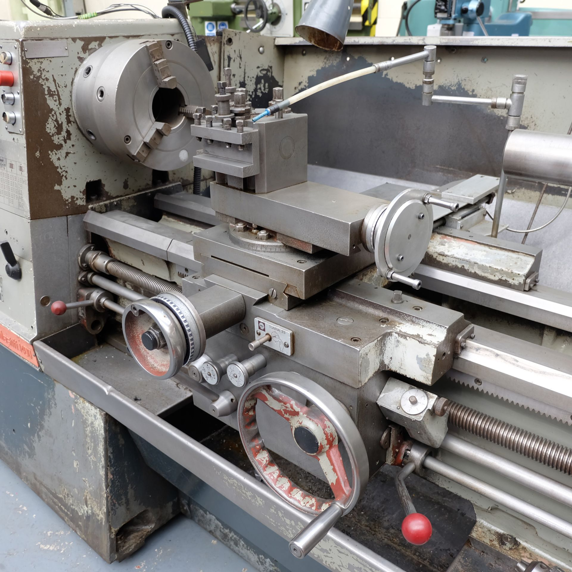 "Colchester Mastiff 1400 Gap Bed Centre Lathe. 21"" Swing Over Bed. 40"" Distance Between Centres. - Image 6 of 7"