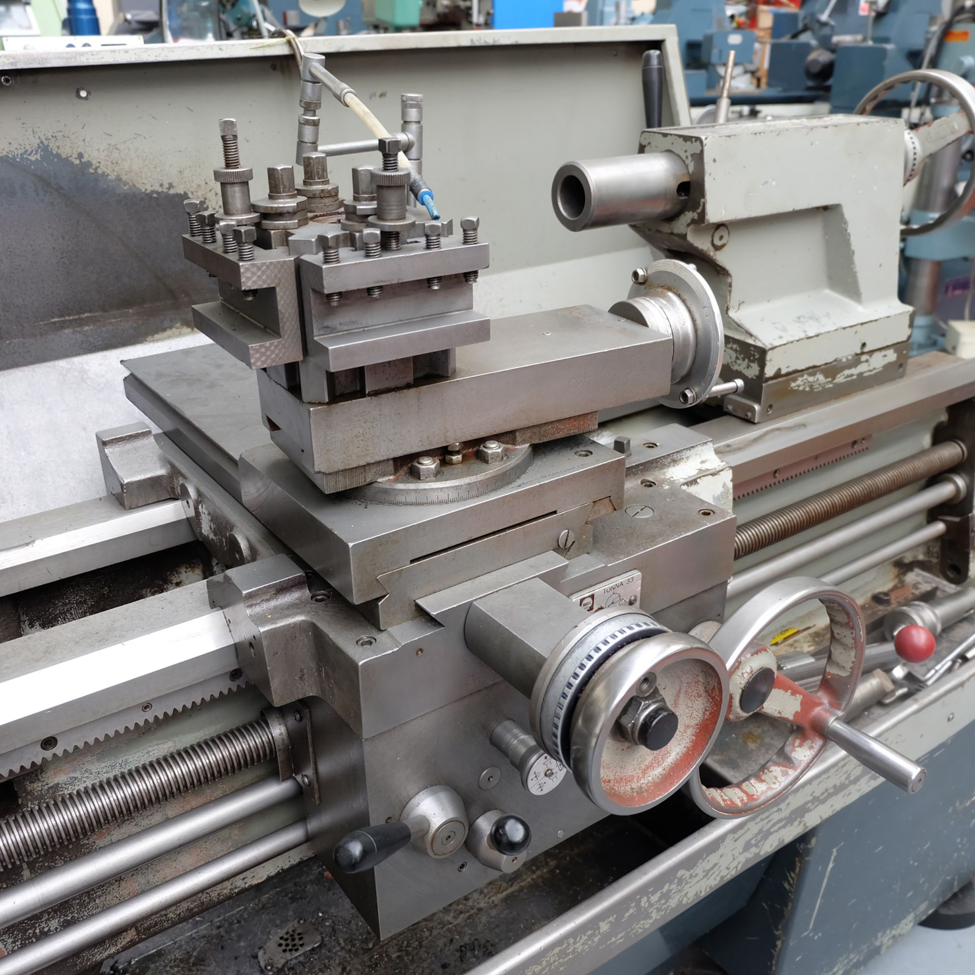 "Colchester Mastiff 1400 Gap Bed Centre Lathe. 21"" Swing Over Bed. 40"" Distance Between Centres. - Image 5 of 7"