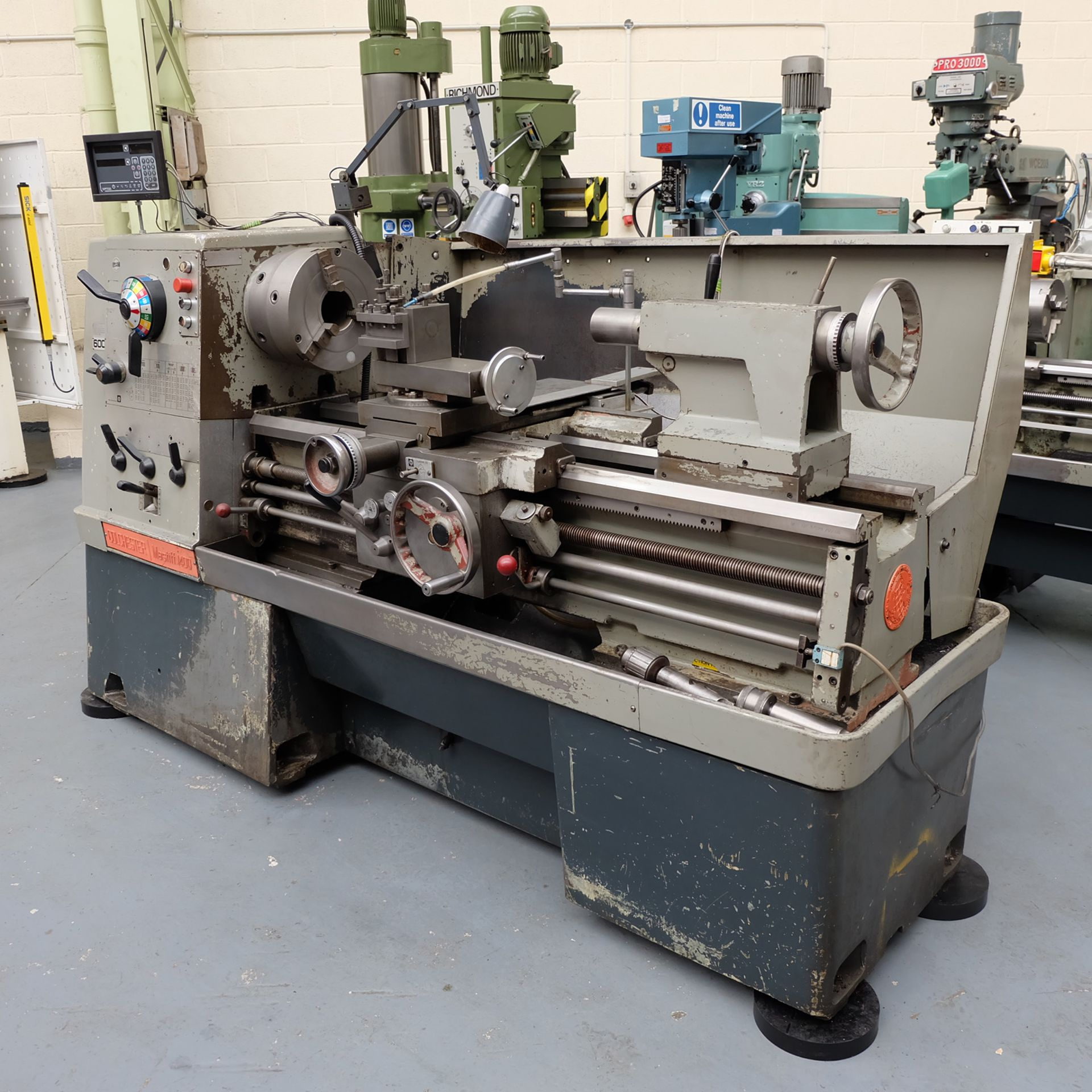 "Colchester Mastiff 1400 Gap Bed Centre Lathe. 21"" Swing Over Bed. 40"" Distance Between Centres. - Image 3 of 7"
