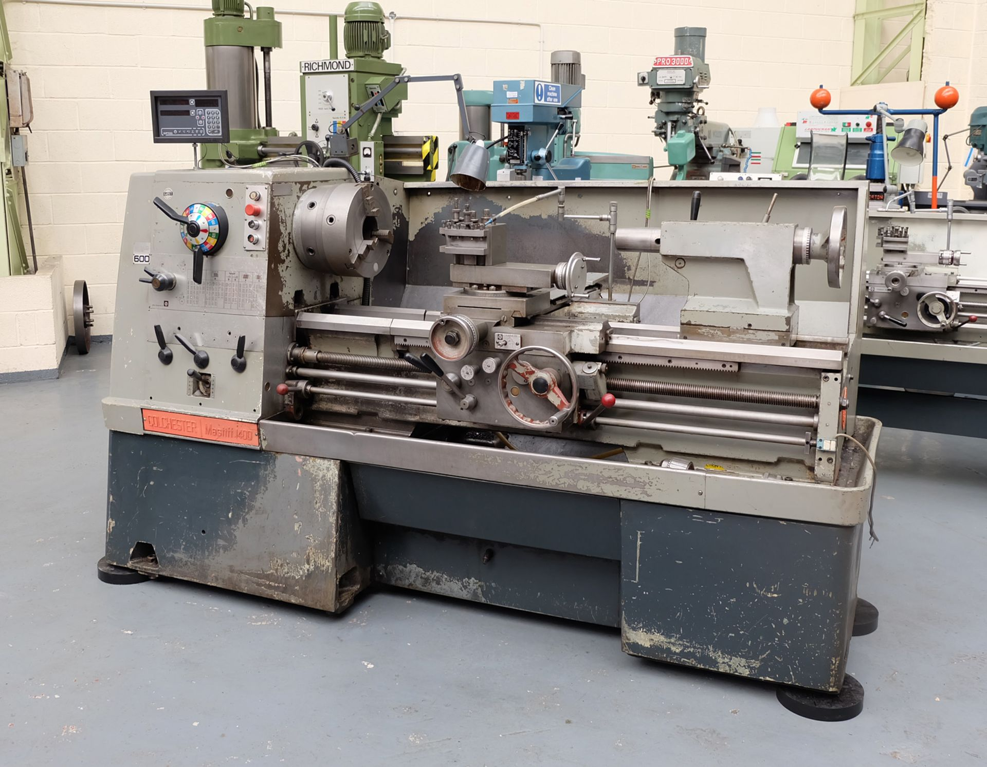"Colchester Mastiff 1400 Gap Bed Centre Lathe. 21"" Swing Over Bed. 40"" Distance Between Centres. - Image 2 of 7"
