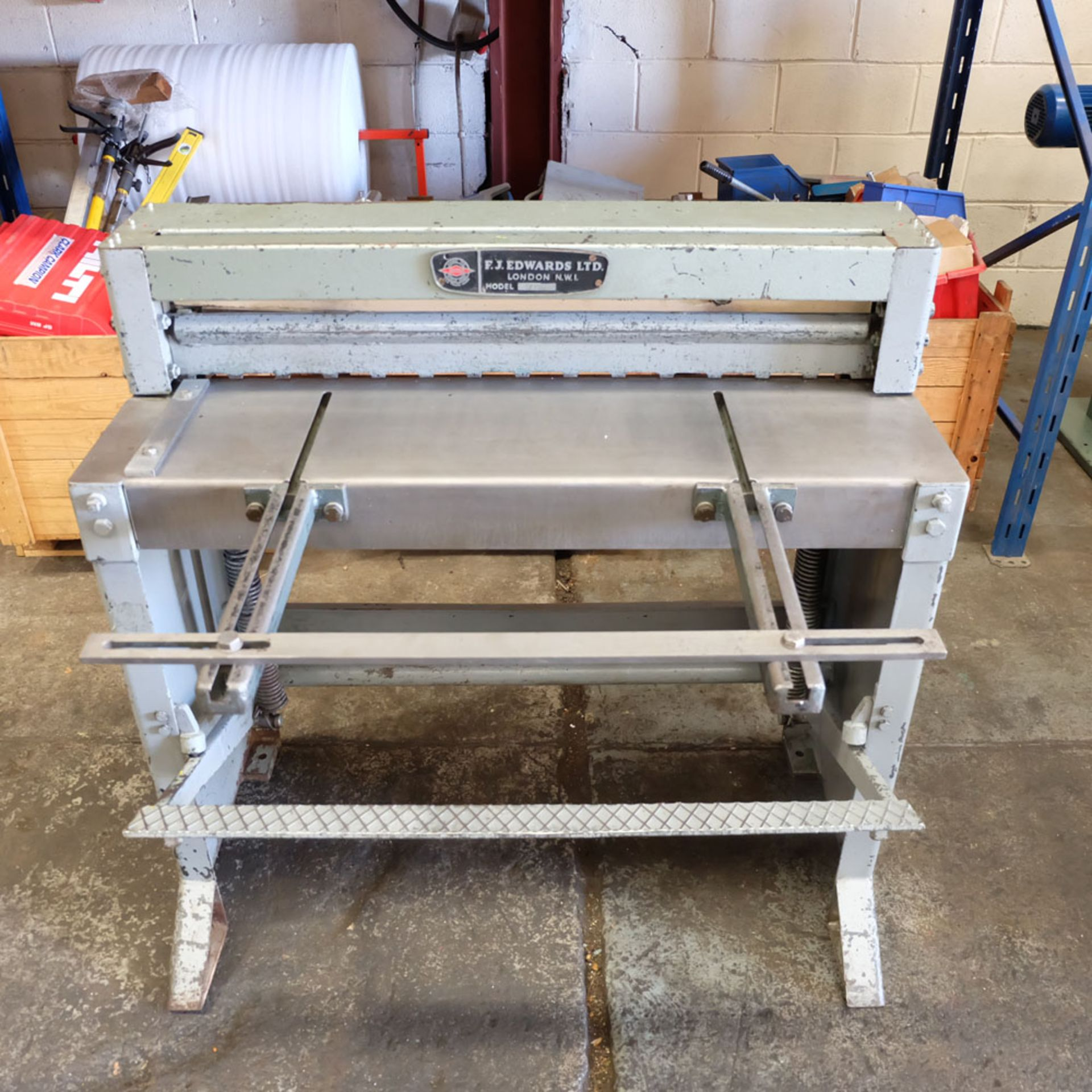 "Edwards Treadle Guillotine 3ft x 16swg. Capacity 36"" x 16swg. Back Gauge. Front Supports. - Image 2 of 8"