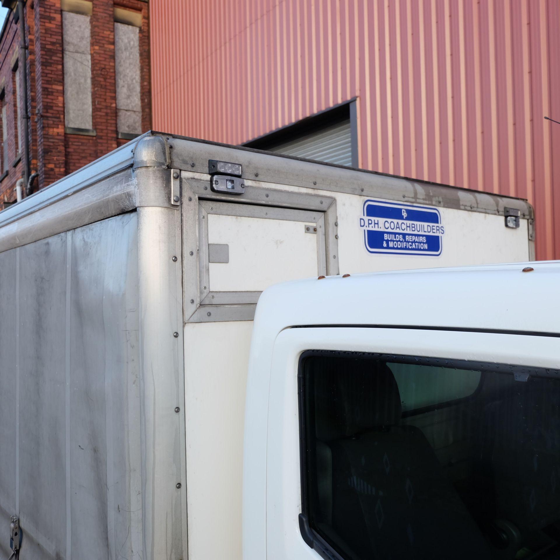 NISSAN CABSTAR 35.14 Rigid Bodied Curtain Truck. 3500KG Gross Weight. Sat Nav, Reversing Camera. - Image 8 of 14