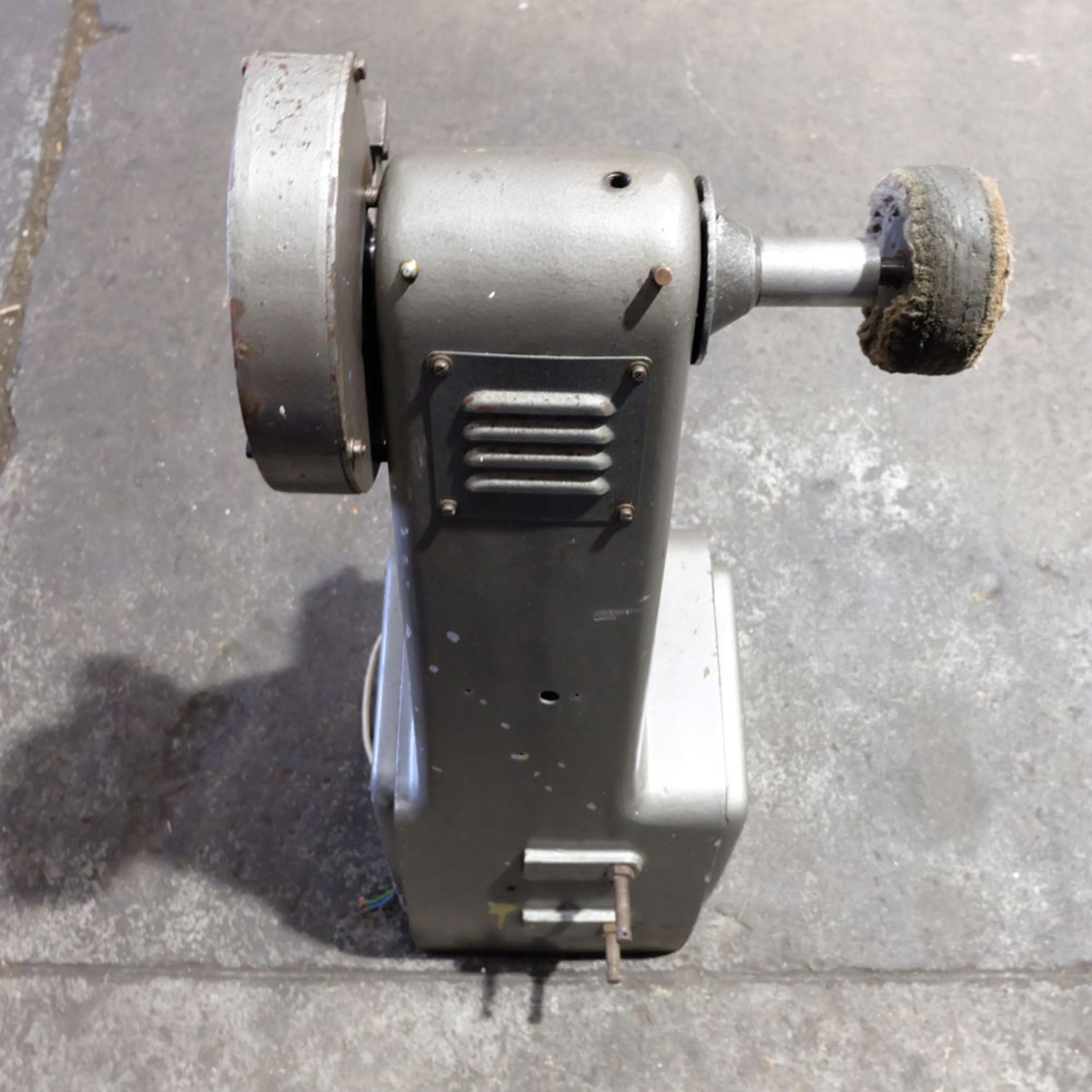 Union Jubilee Double Ended Pedestal Tool Grinding & Polishing Machine. Speed 2200rpm. - Image 6 of 6