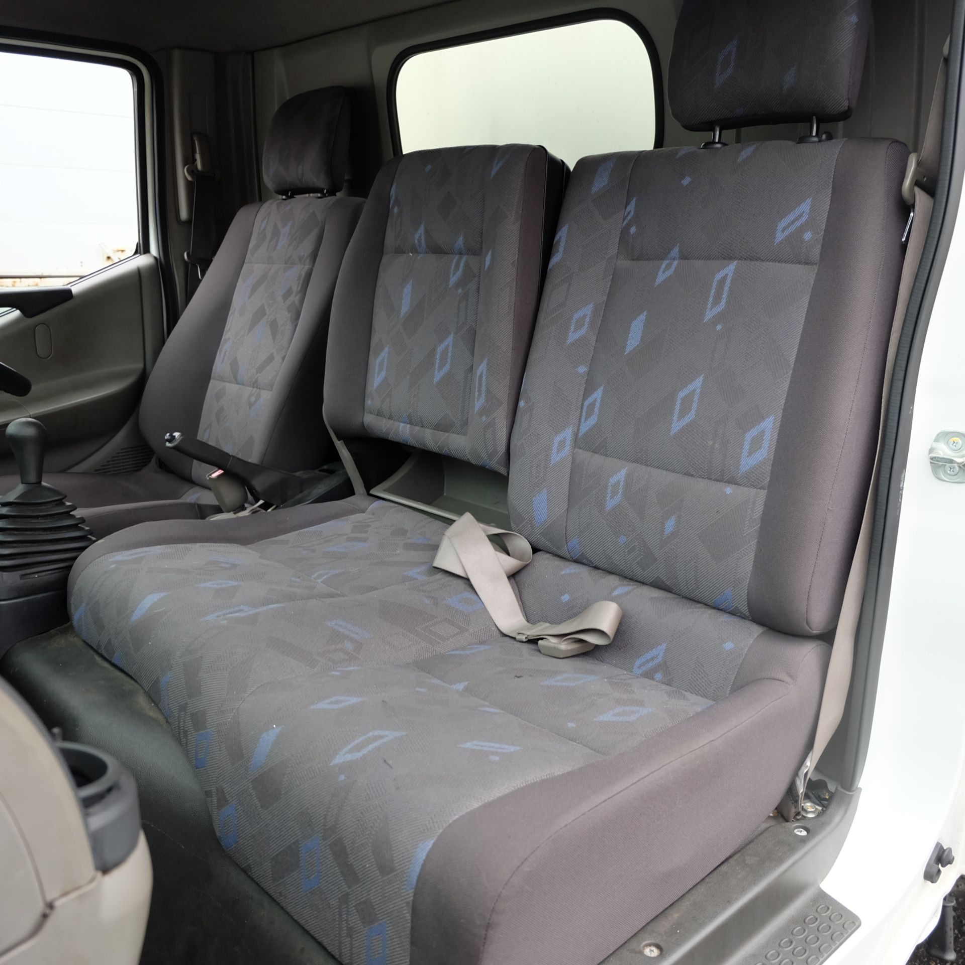 NISSAN CABSTAR 35.14 Rigid Bodied Curtain Truck. 3500KG Gross Weight. Sat Nav, Reversing Camera. - Image 12 of 14