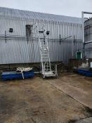 Mobile aluminium tanker access platform