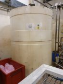 6500 Litre cylindrical plastic storage tank