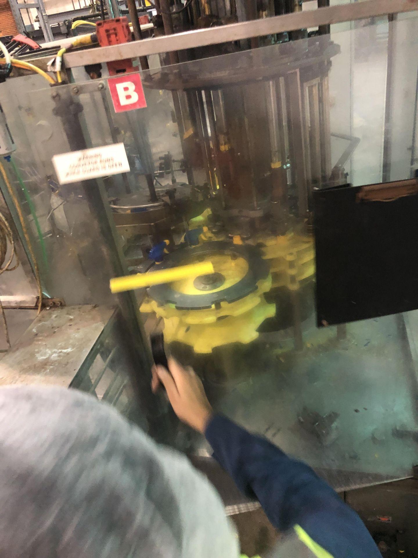 Lot 53 - Peter Holland rotary trigger spray capper Model CR