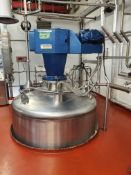 5000 Litre stainless steel mixing vessel with Ligh
