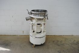 Russel Finex Model: 9500 Vibratory Separator Model: 9500 S/N:D 20