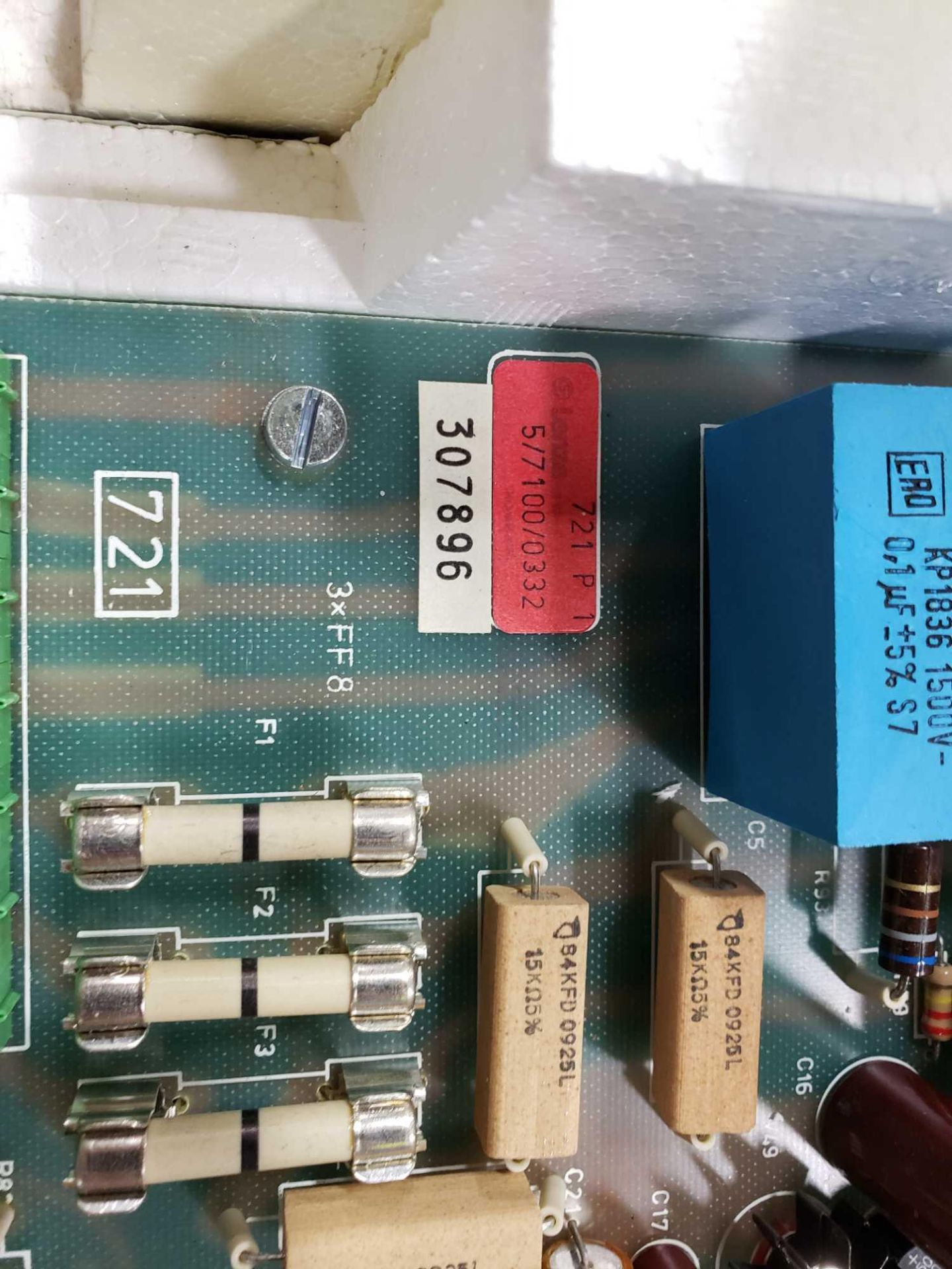 Lot 35 - Stahlkontor control model 721-E2. New as pictured.