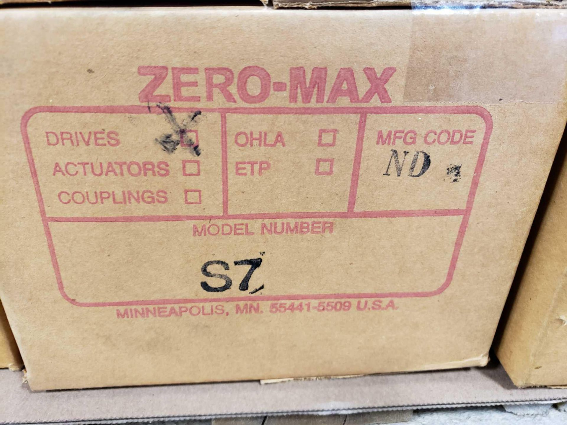 Lot 50 - Zero-max gearhead power block model S7, 0-20 output rotation, 12lb torque, 20:1 range. New in box.