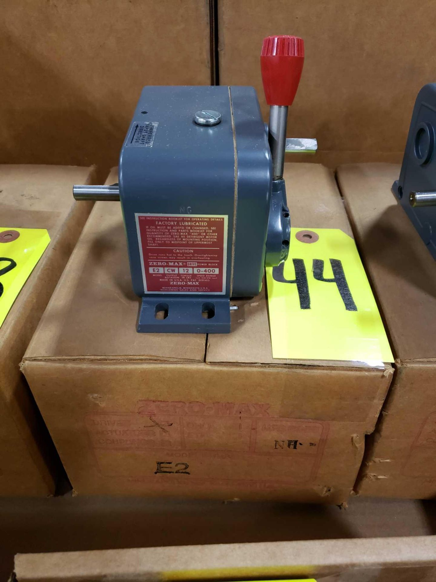 Lot 44 - Zero-max drive power block model E2, CW output rotation, 12lb torque, 0-400 speed range. New.