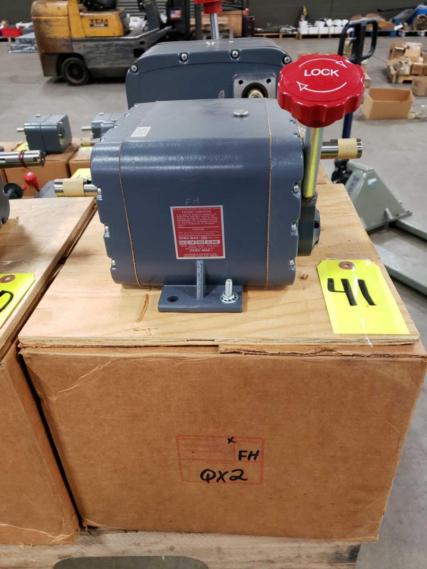 Lot 41 - Zero-max drive power block model QX2 CW output rotation, 100lb torque, 0-400 speed range. New.