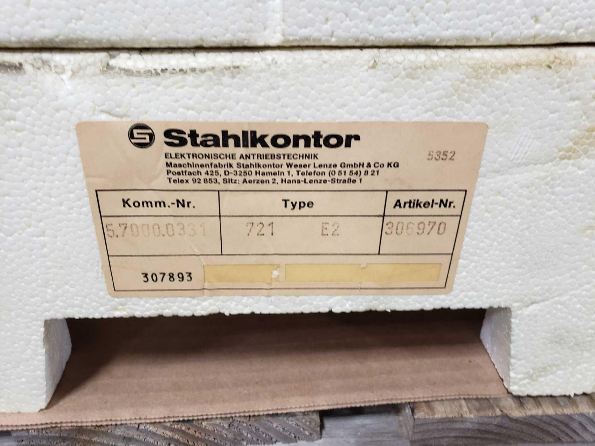 Lot 37 - Stahlkontor control model 721-E2. New as pictured.