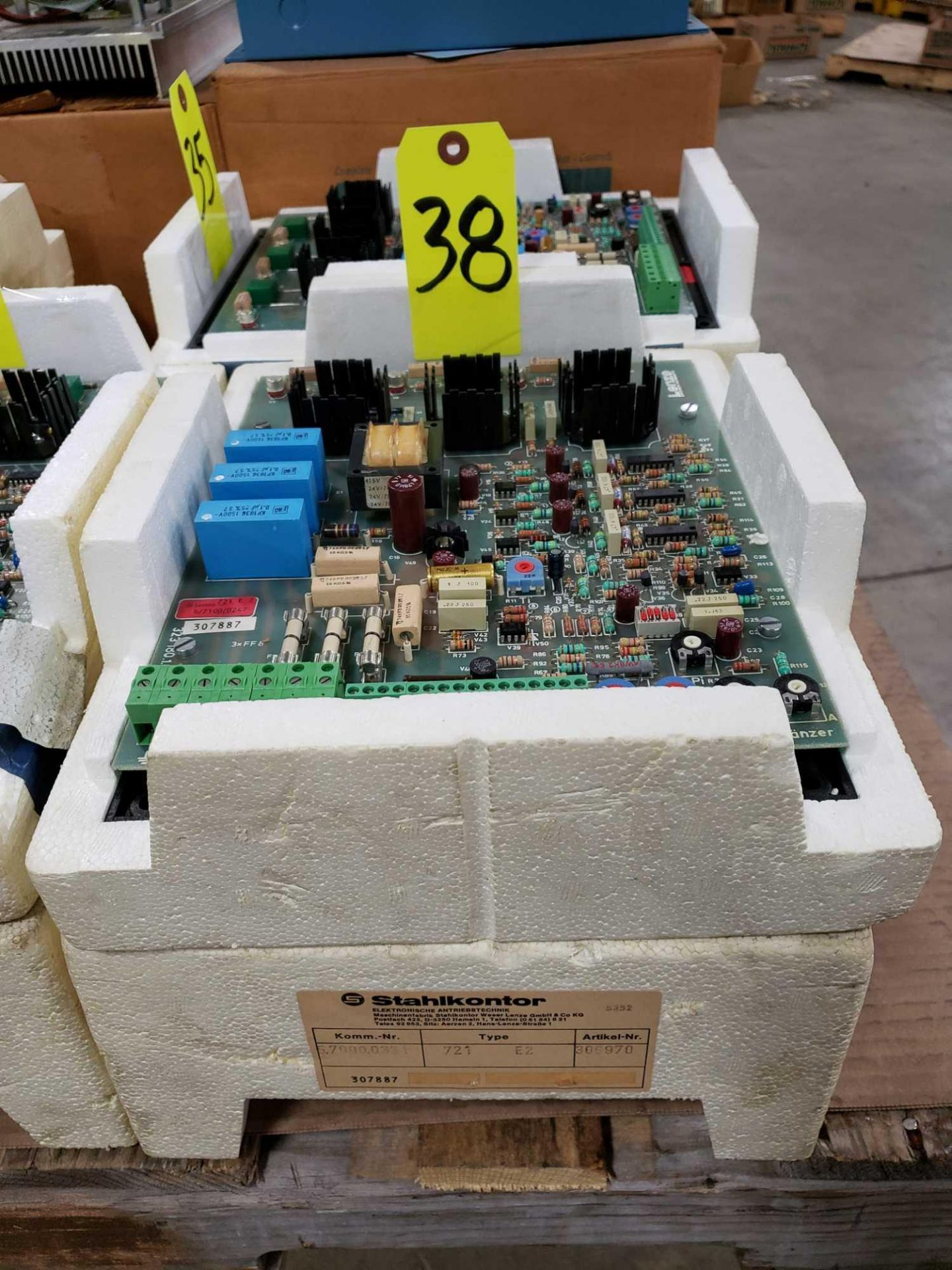 Lot 38 - Stahlkontor control model 721-E2. New as pictured.