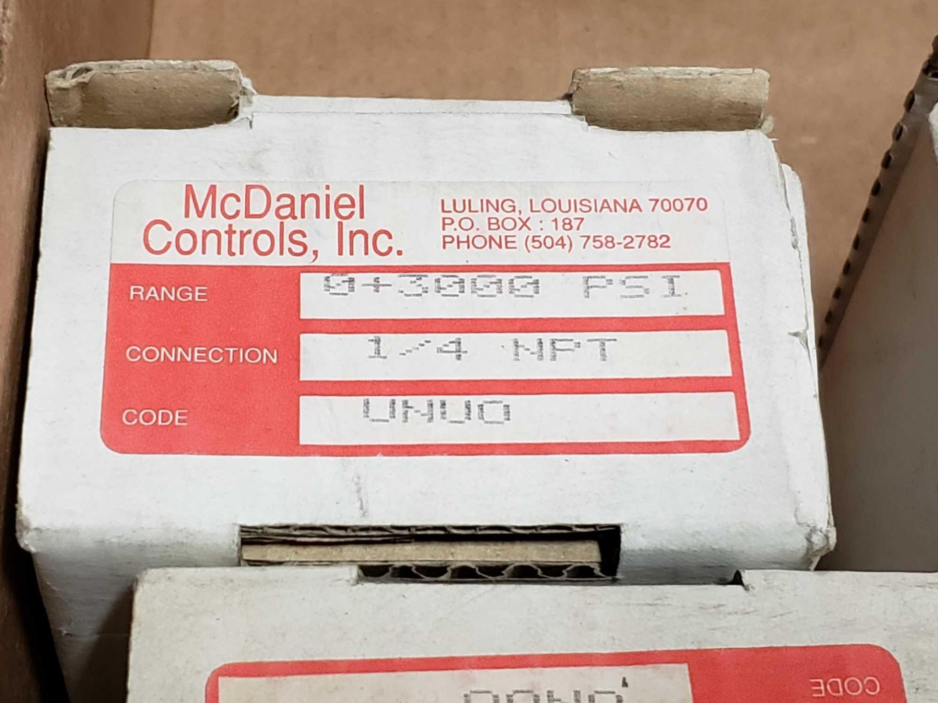 Lot 14 - Qty 10 - McDaniel Controls gauge model UNU0, 0-3000psi. New in box.