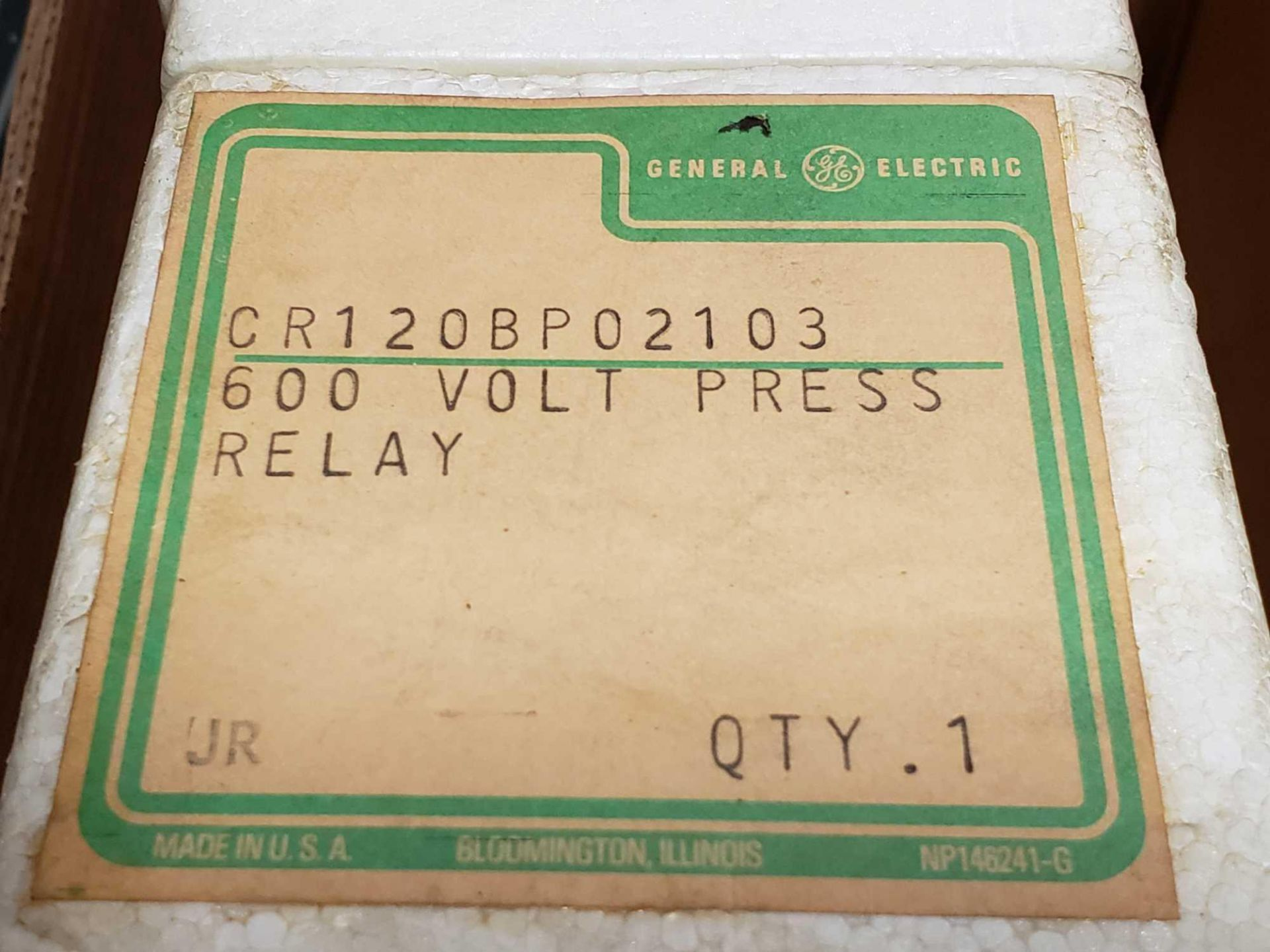 Lot 30 - Qty 2 - GE control relay model CR120BP02103. New in package.