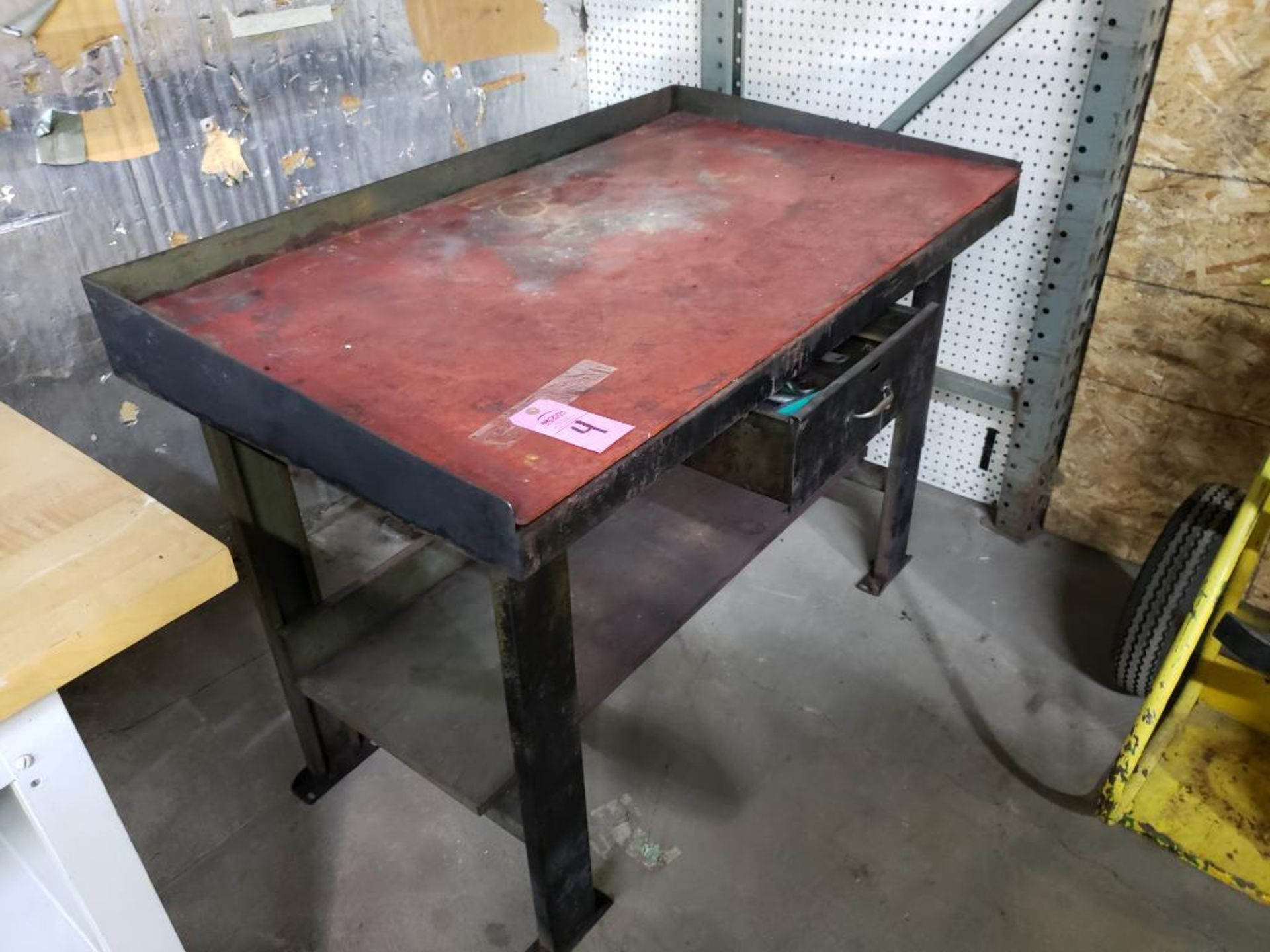Lot 4 - Work bench.