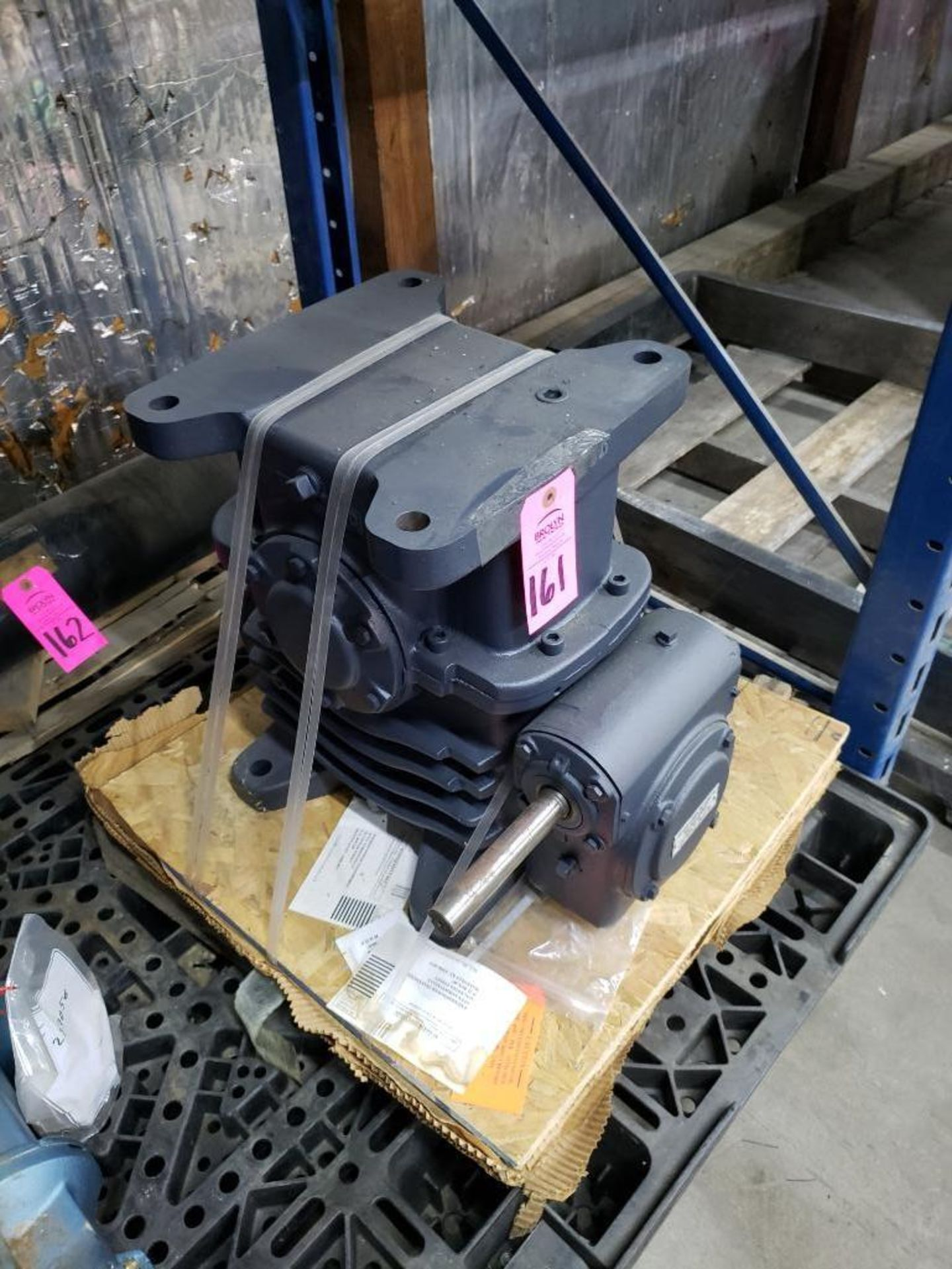 Lot 161 - Morse gearbox. Ratio 250:1, model 60W-DB L-R AS3183. New on pallet.