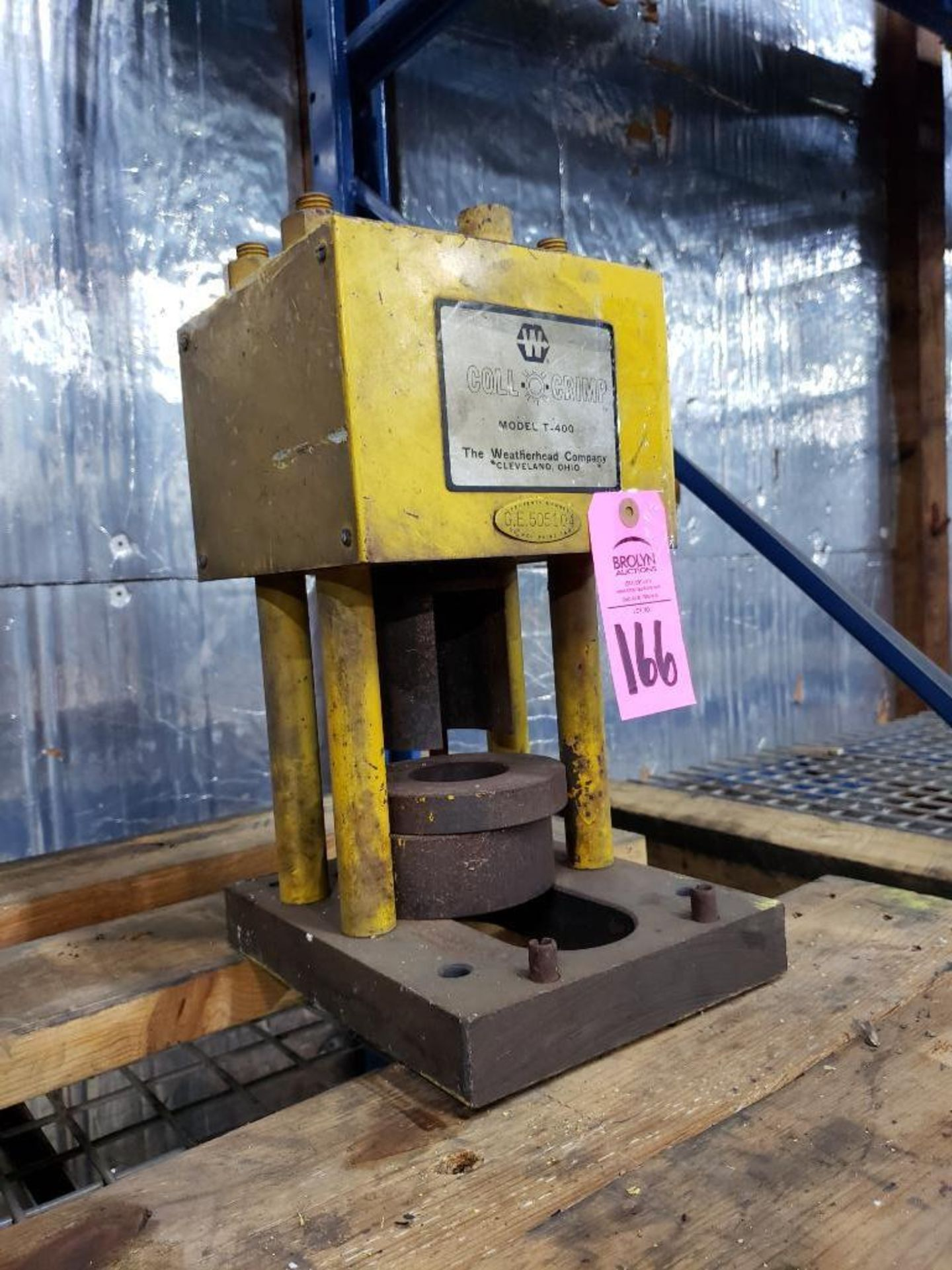 Lot 166 - Weatherhead Coll-O-Crimp model T-400 crimping machine.