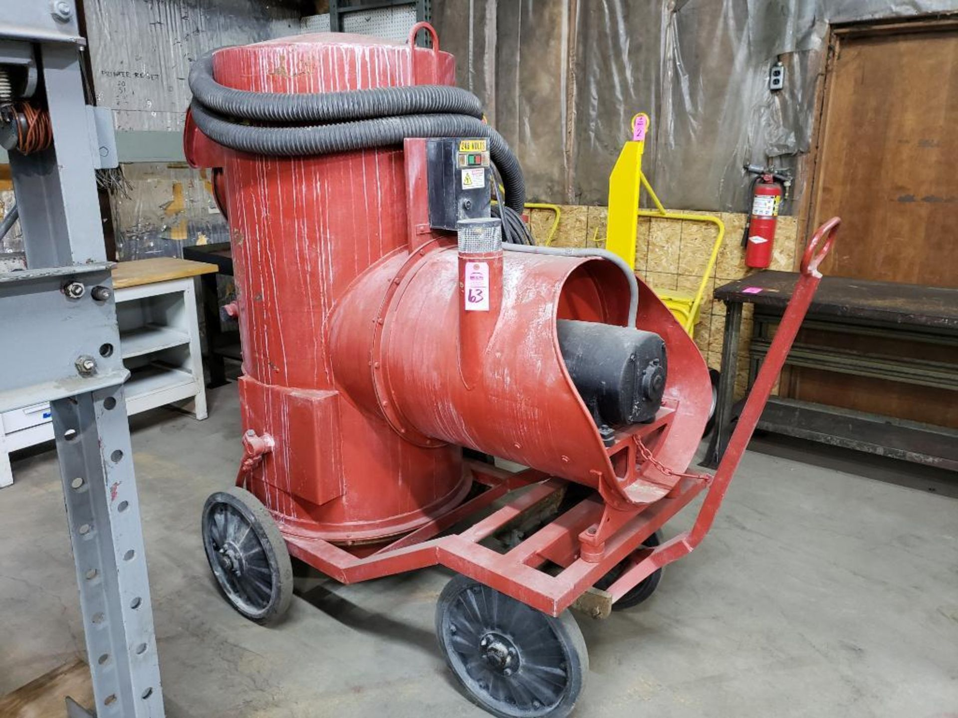 Lot 63 - 7.5hp Spencer Vacuum self contained cleaner model P-190.