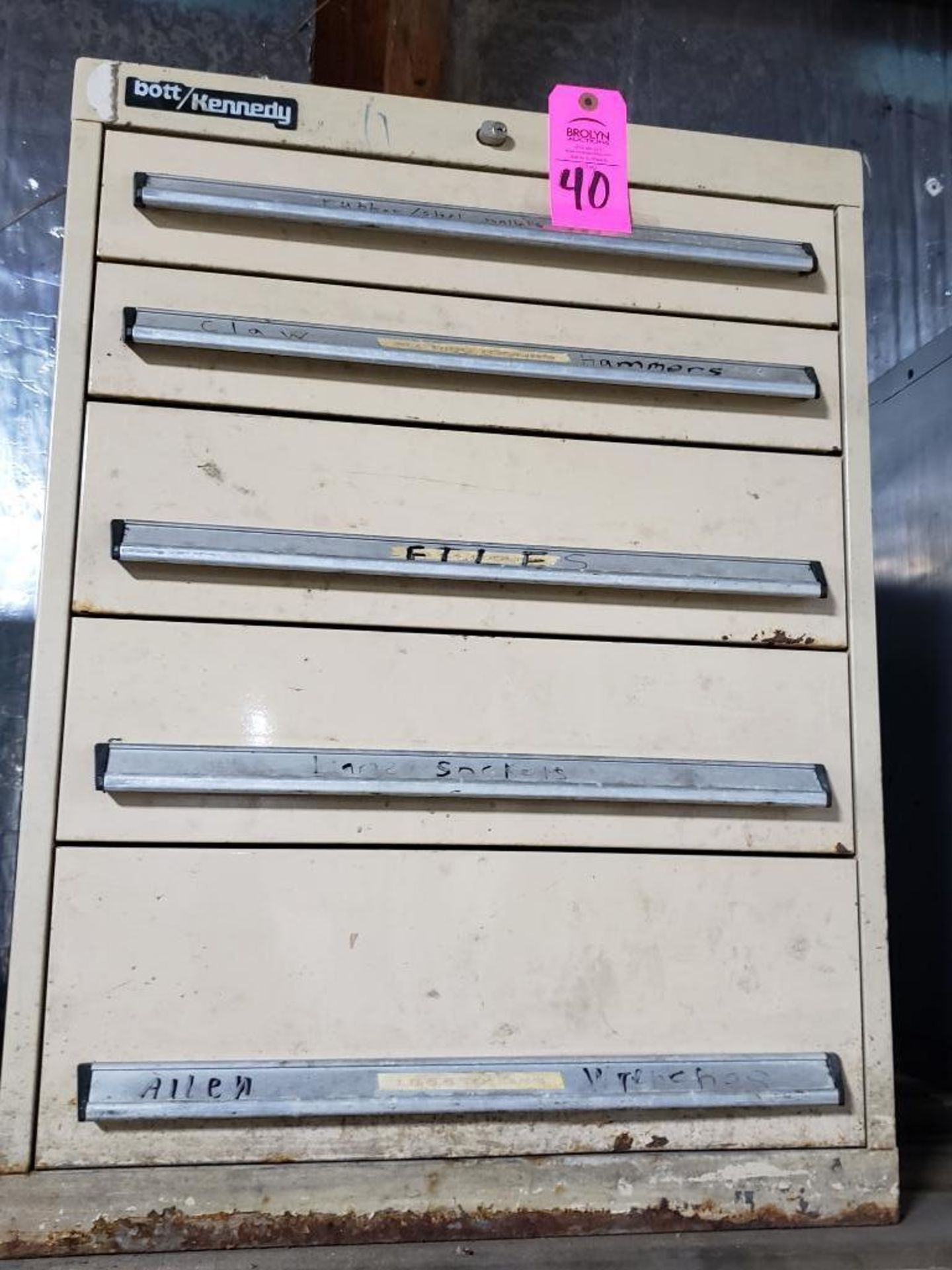 Lot 40 - 5 drawer Bott Kennedy tool cabinet. Overall dimensions 31.5Tx23.5Wx24D.