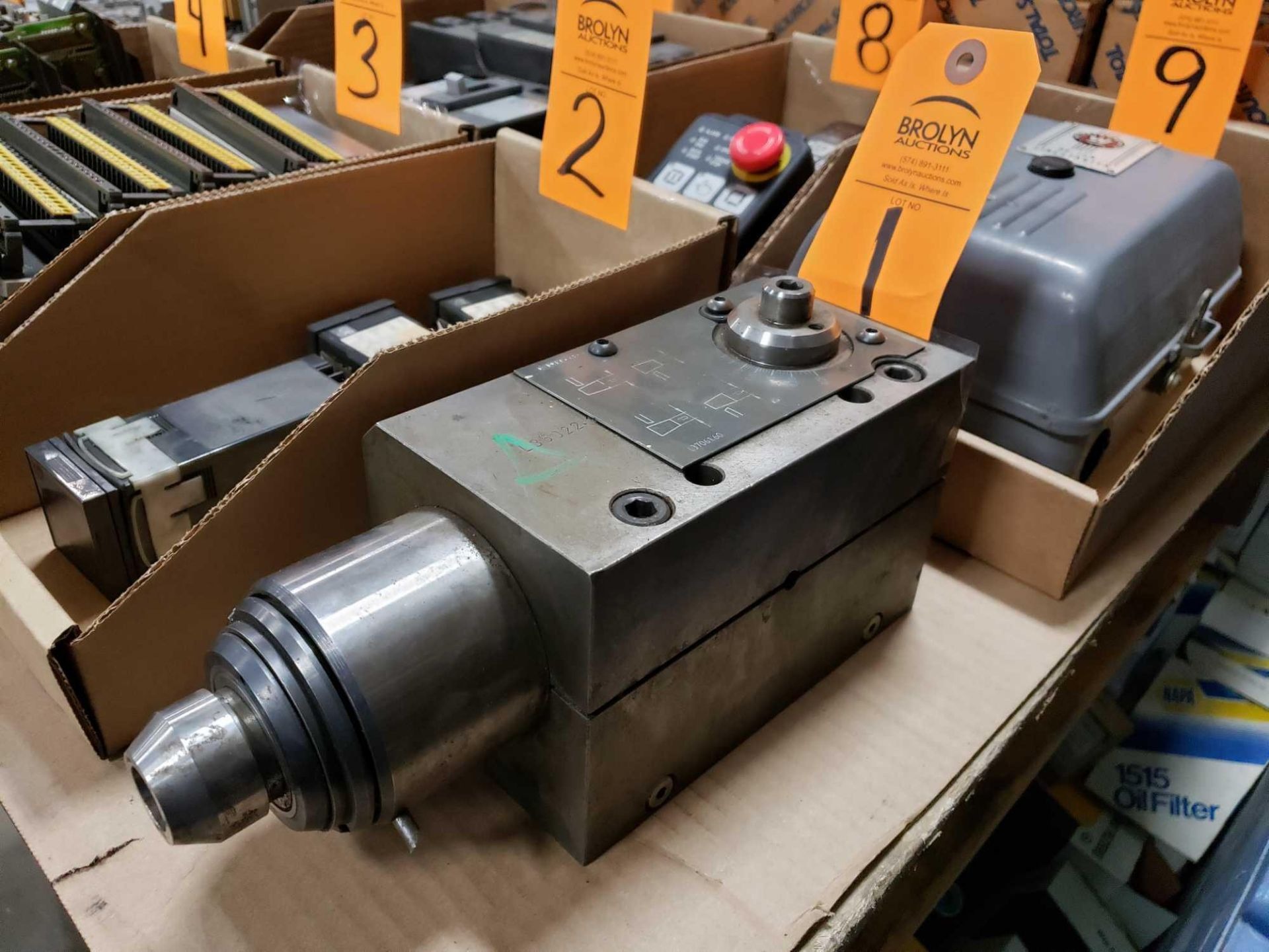 Lot 1 - Hydraulic valve as pictured.
