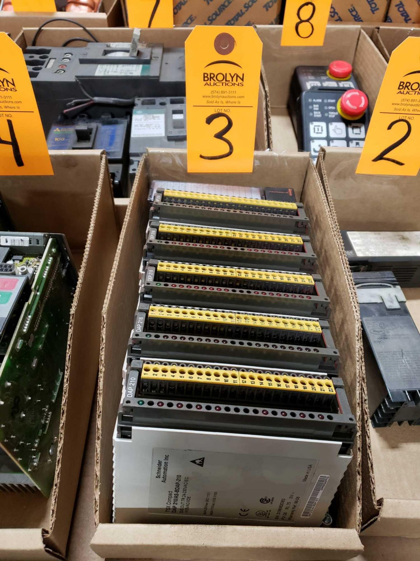 Lot 3 - Qty 3 - Assorted Schneider Modicon modules as pictured.
