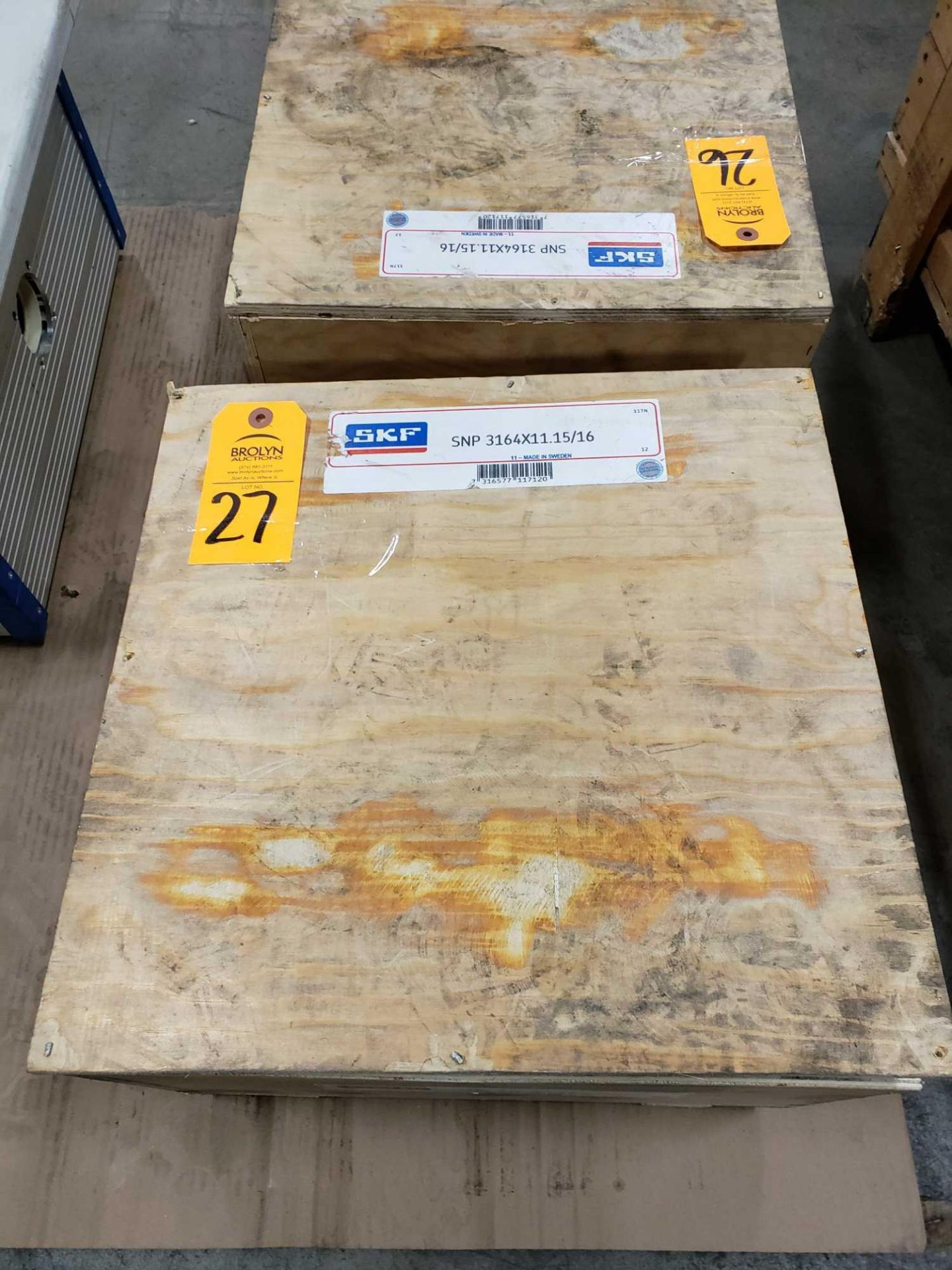 Lot 27 - SKF bearing adapter part number SNP3164X11.15/16. New in crate.