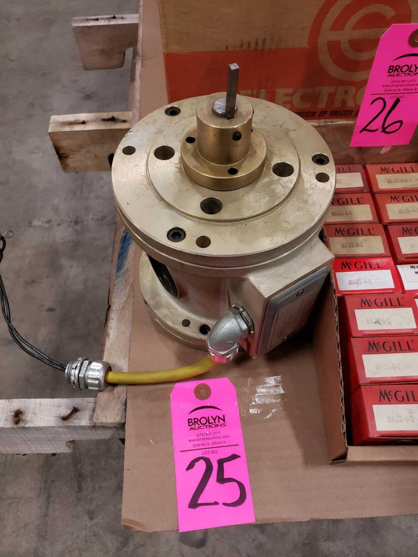 Lot 25 - Electroid electric clutch brake model CCF, part number CCF-42B-10-10.