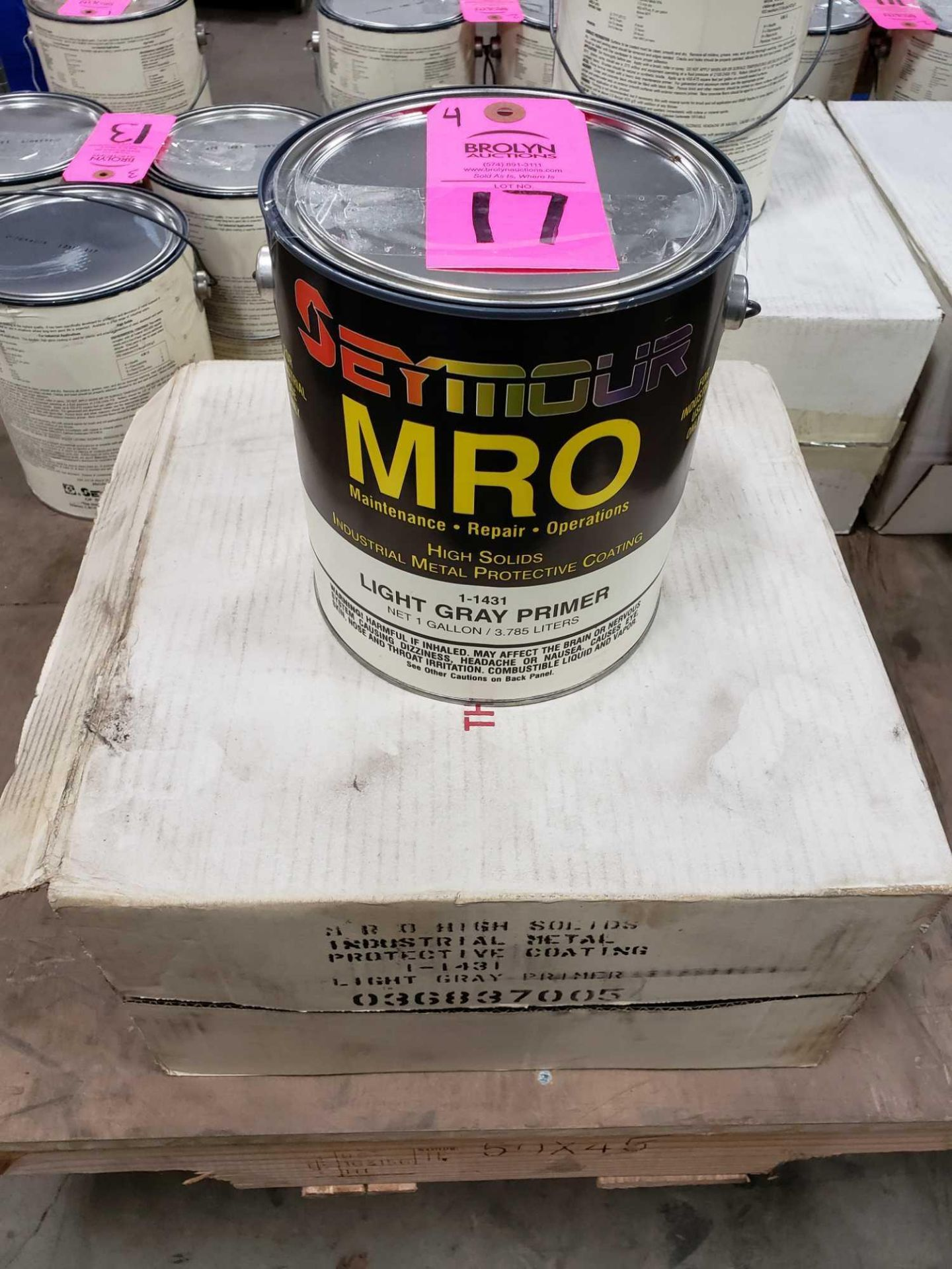 Lot 17 - Qty 4 - Seymour MRO paint Light Gray Primer model 1-1431. New as pictured.