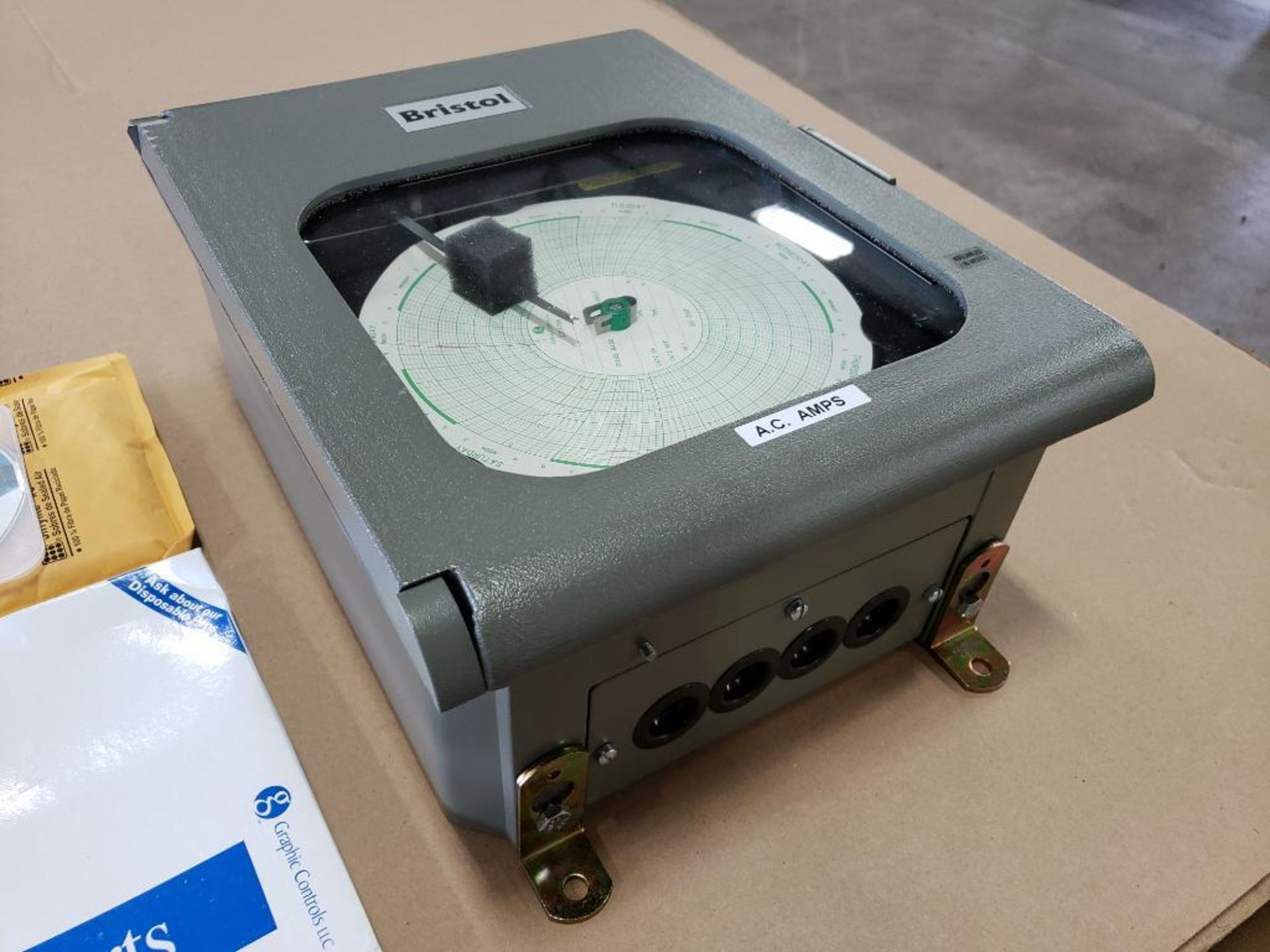 Qty 2 - Emerson Controls Bristol AC Amp chart recorder. Part number 410887B02. New in box. - Image 5 of 5